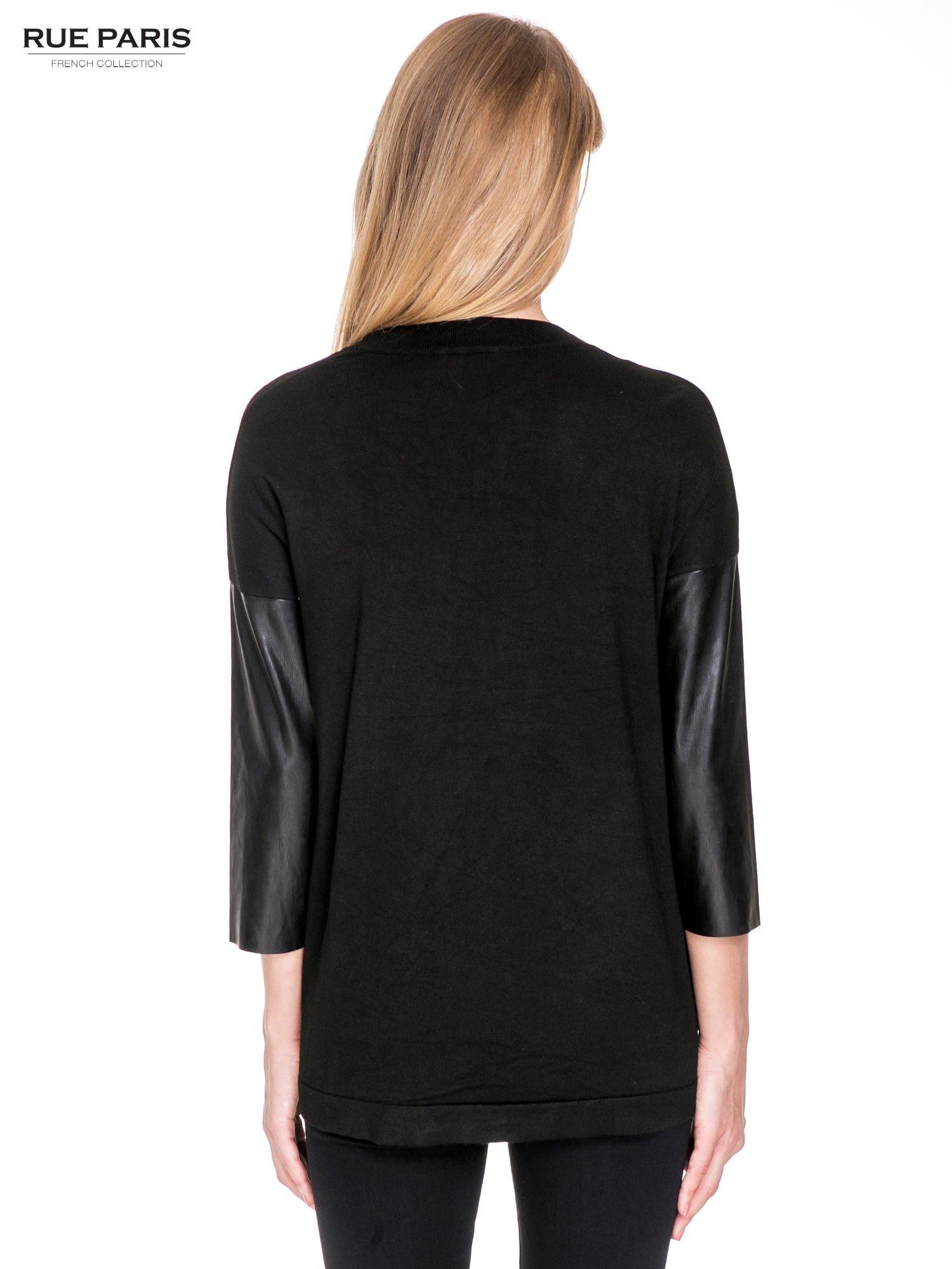 Czarny sweter kardigan ze skórzanym rękawami 3/4                                  zdj.                                  4