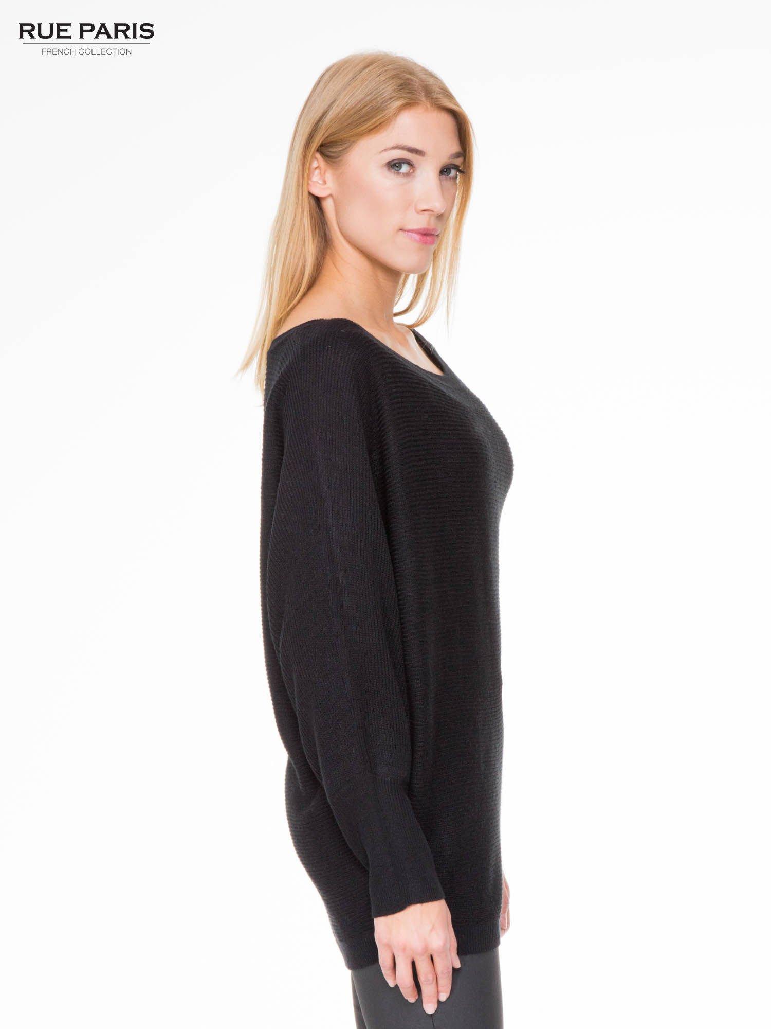 Czarny sweter z nietoperzowymi rękawami                                  zdj.                                  3