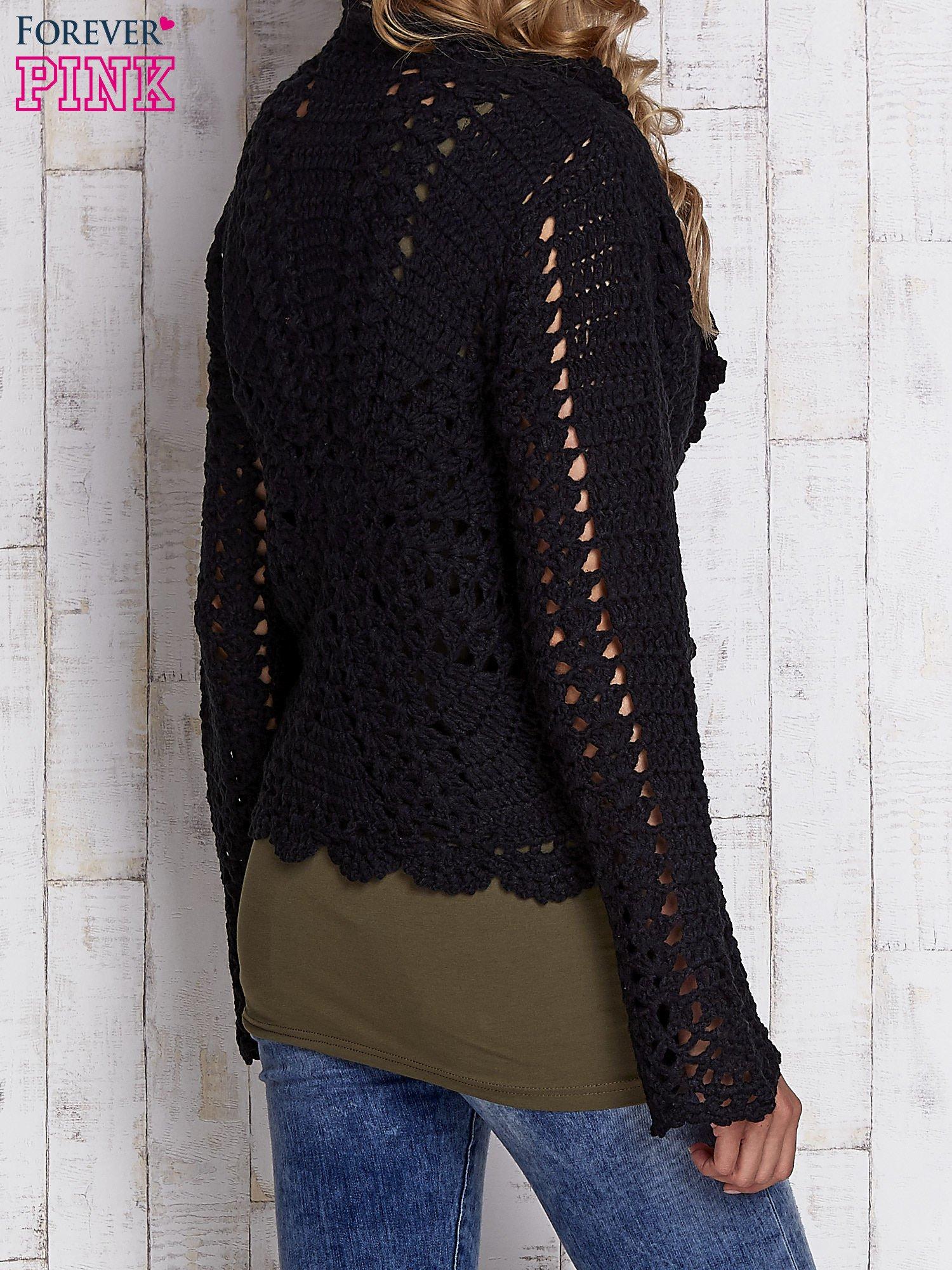 Czarny sweter z wiązaniem                                  zdj.                                  4