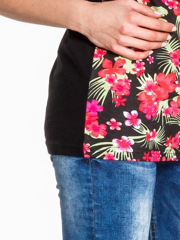 Czarny t-shirt we wzór kwiatowy                                  zdj.                                  6