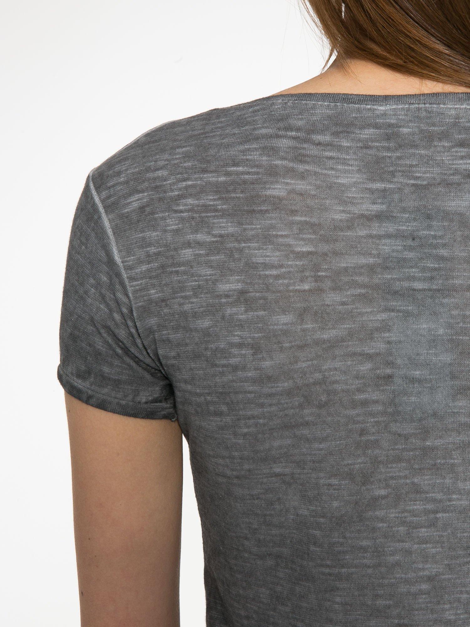 Czarny t-shirt z cekinowym napisem REBEL LOVE                                  zdj.                                  10