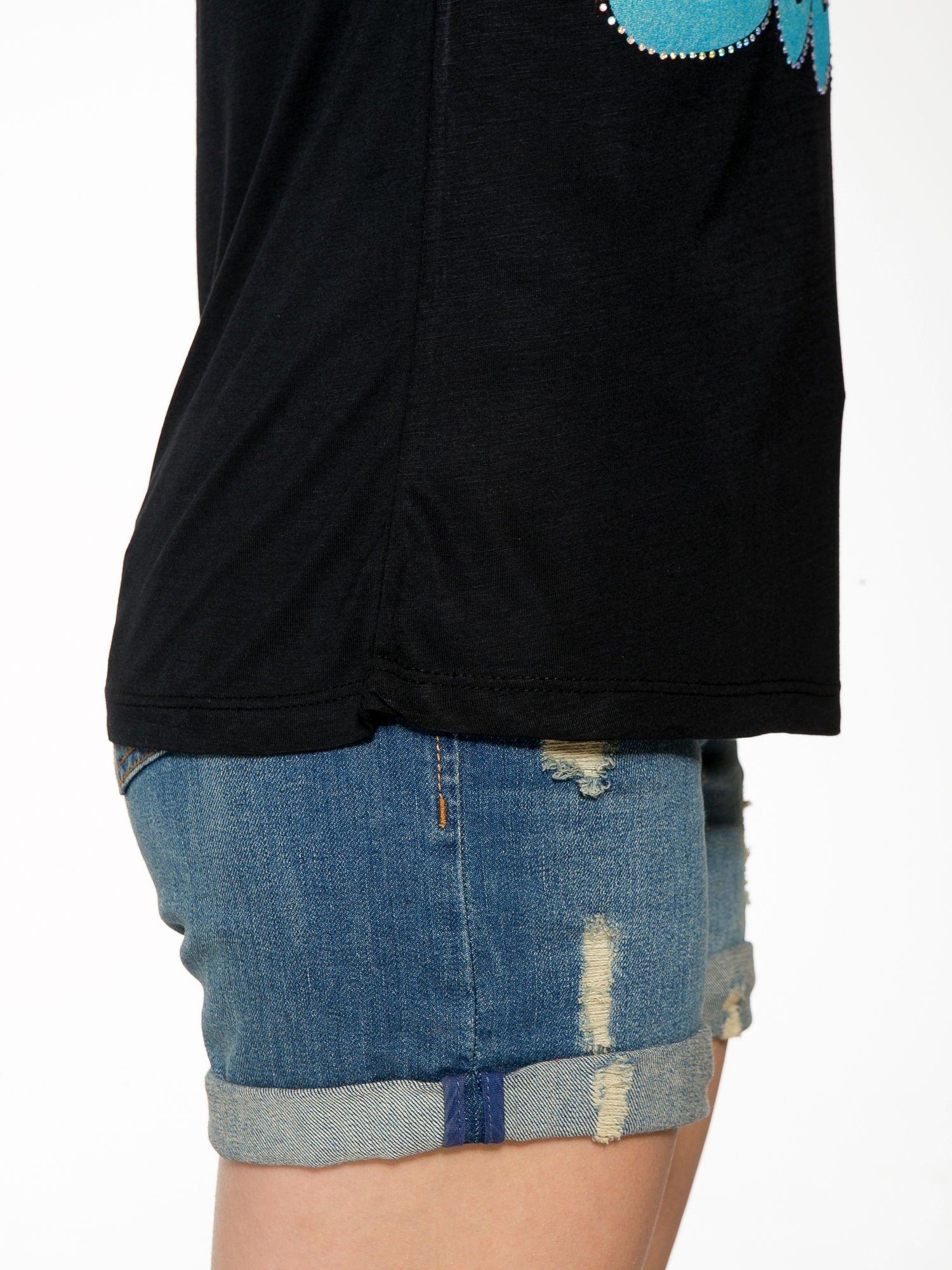 Czarny t-shirt z kolorowym nadrukiem I'M NOT YOUR BABE                                  zdj.                                  8
