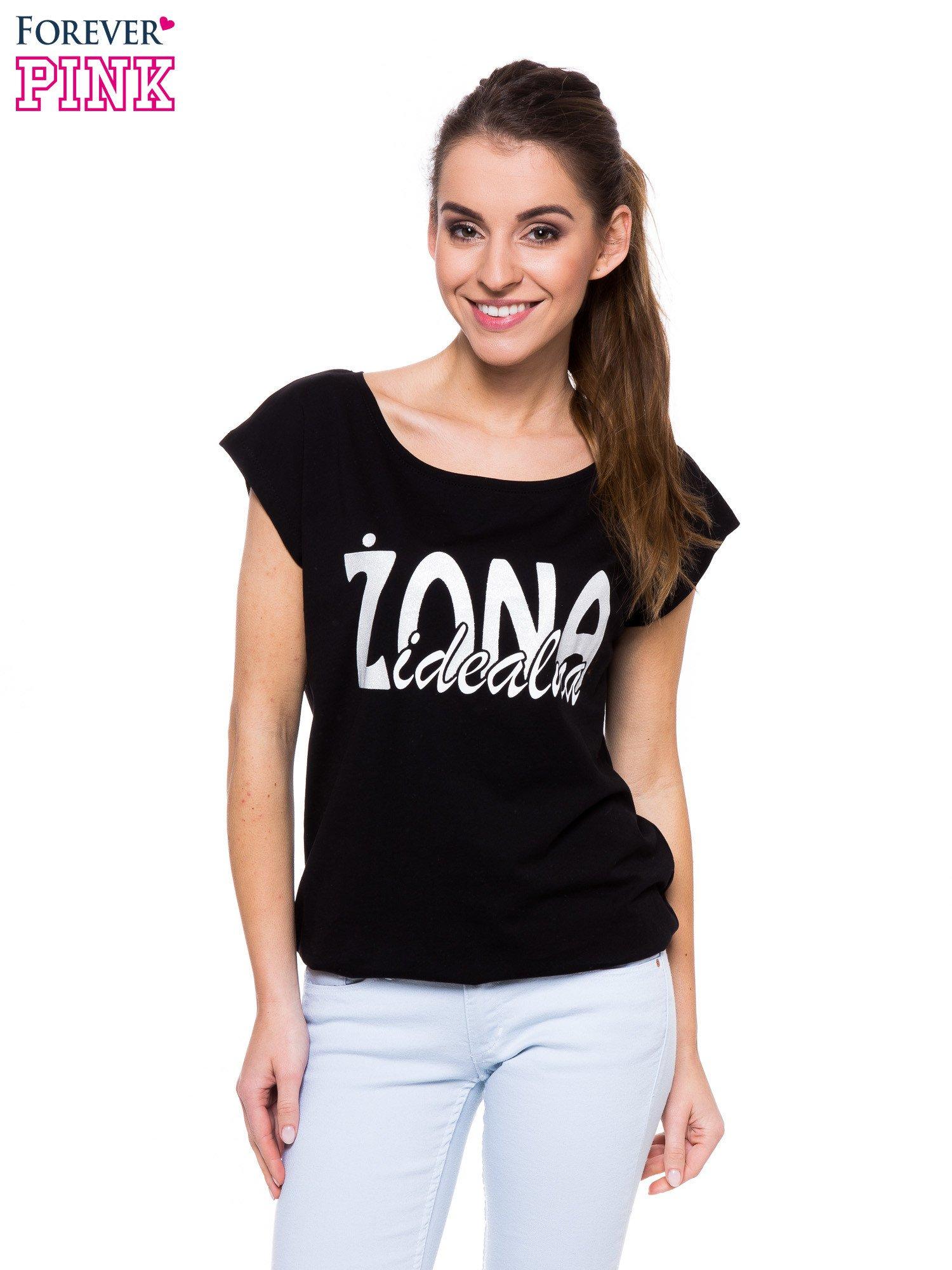 Czarny t-shirt z nadrukiem ŻONA IDEALNA                                  zdj.                                  1