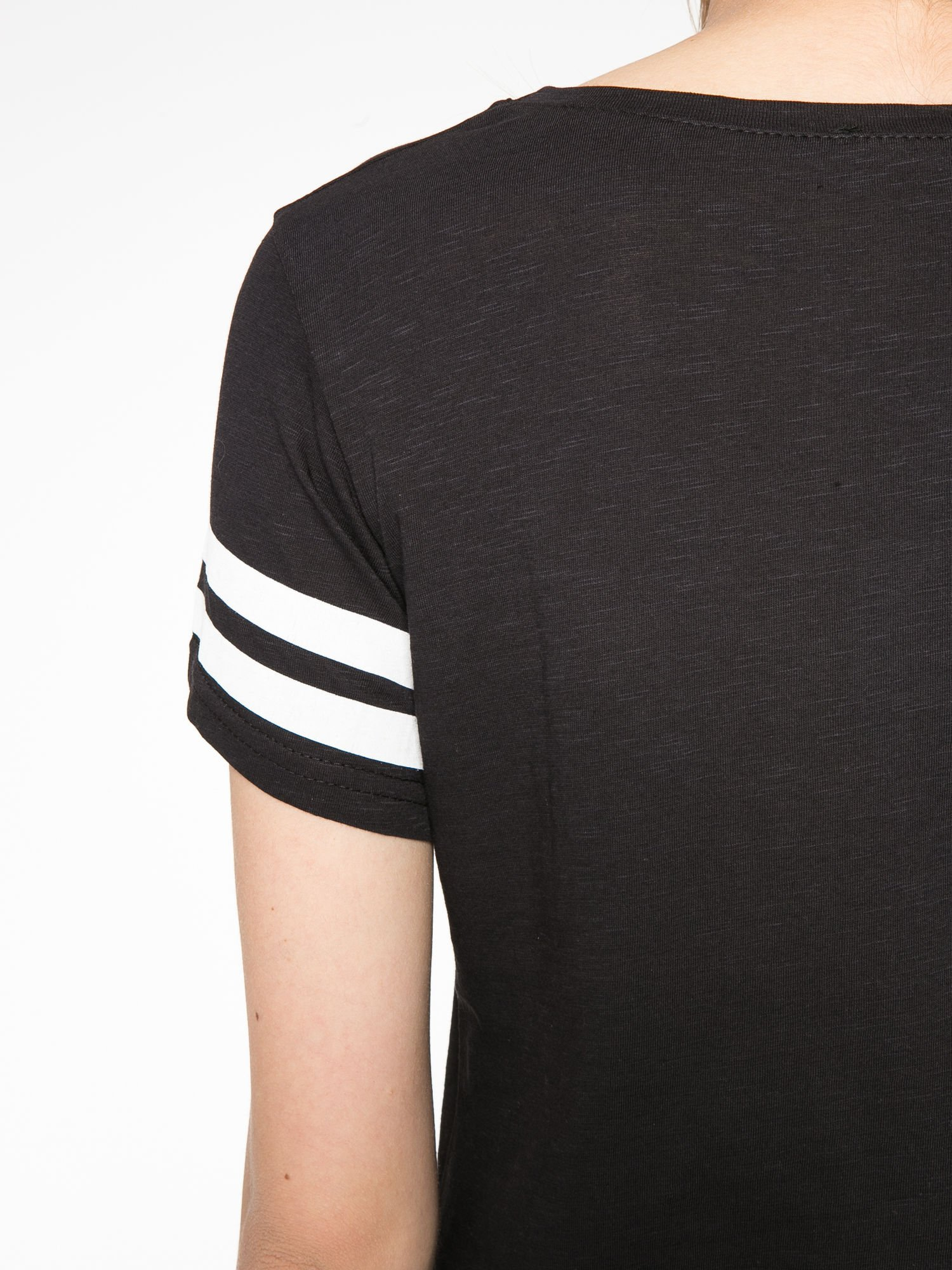 Czarny t-shirt z nadrukiem numerycznym w stylu baseball                                  zdj.                                  11