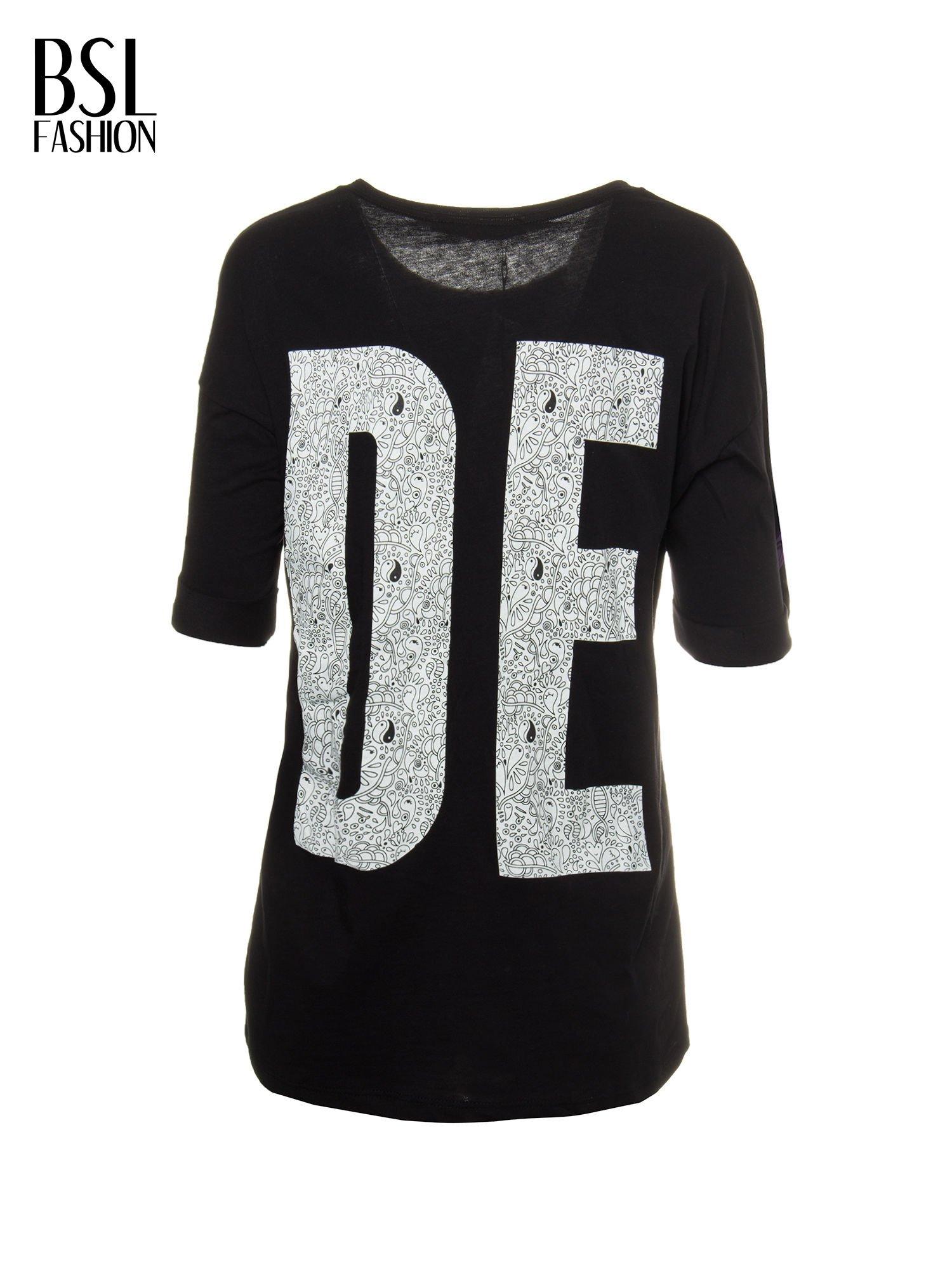 Czarny t-shirt z nadukiem DUDE z przodu i na plecach                                  zdj.                                  2