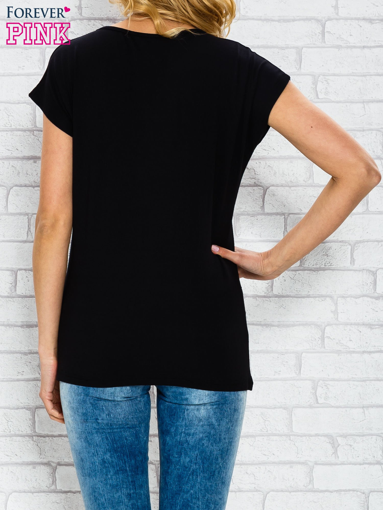 Czarny t-shirt z napisem AVENUE THE CHAMPS ÉLYSÉE                                  zdj.                                  2
