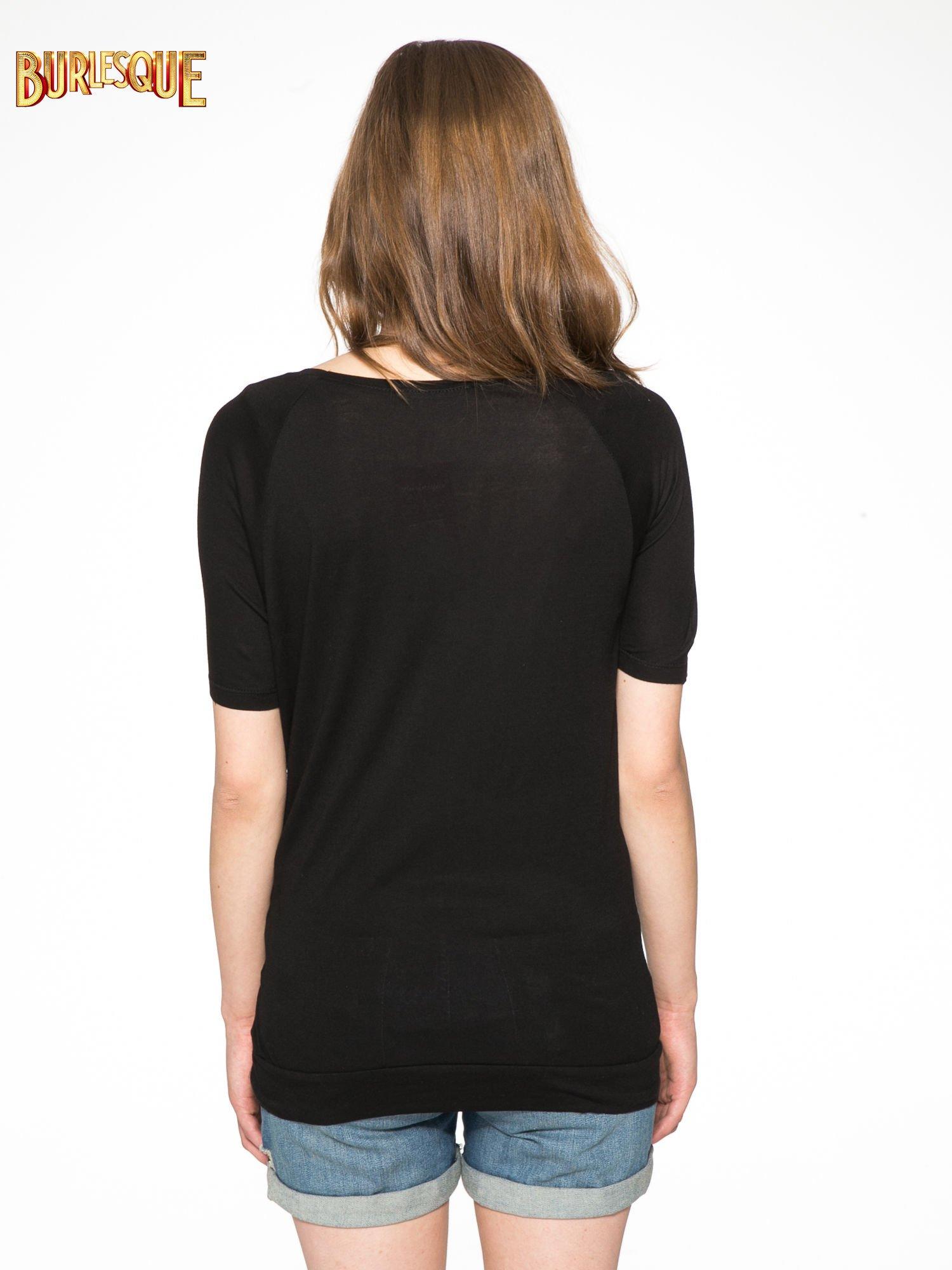 Czarny t-shirt z napisem LIVE IN THE SUNSHINE z dżetów                                  zdj.                                  4