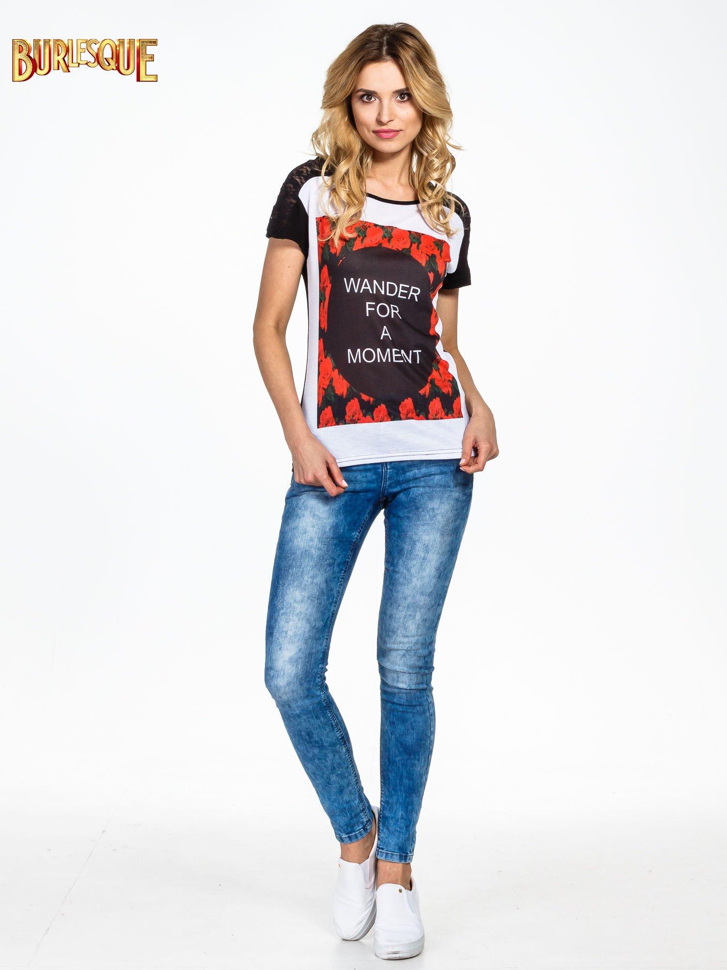 Czarny t-shirt z napisem WONDER FOR A MOMENT                                  zdj.                                  5