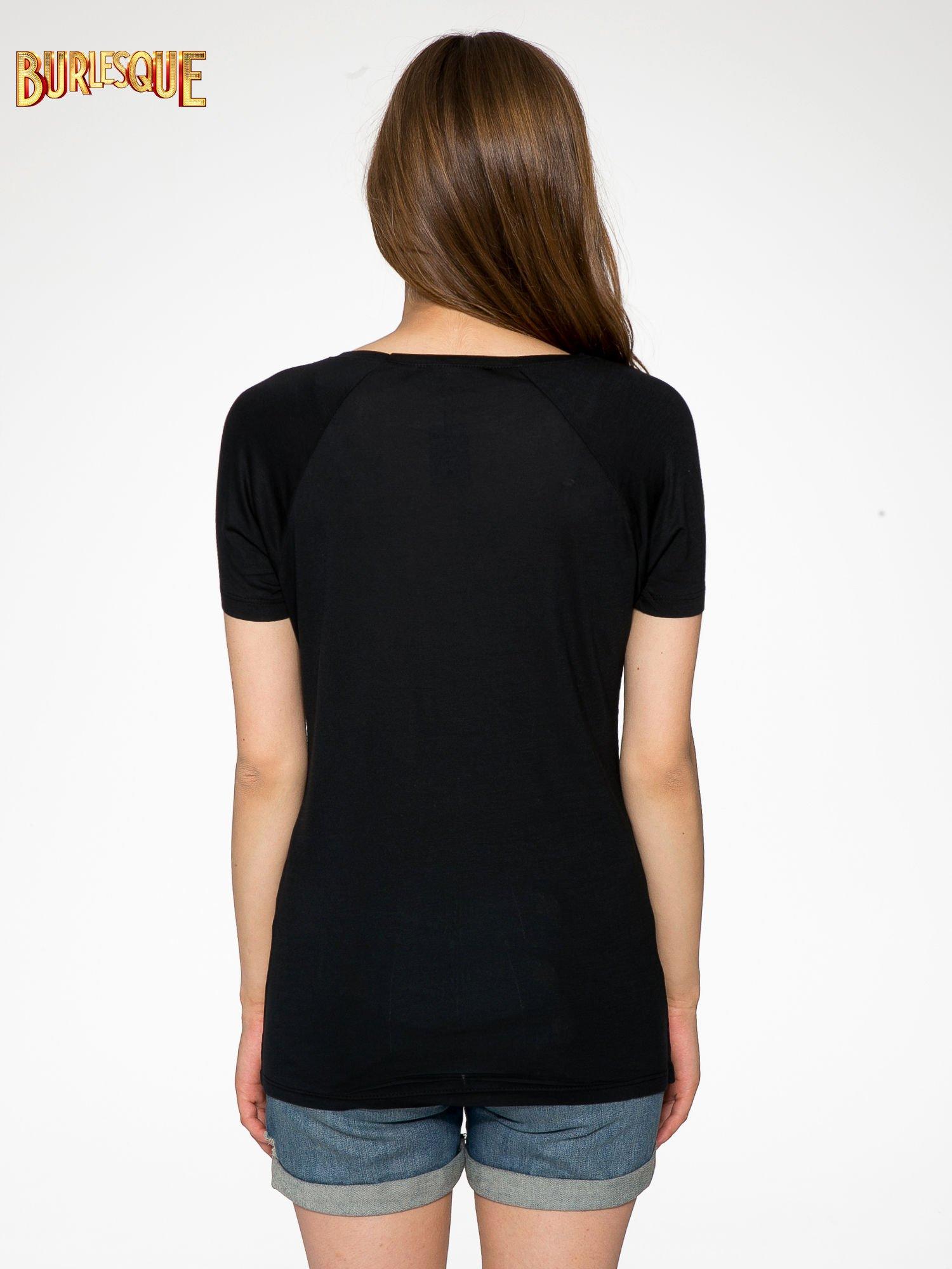 Czarny t-shirt z napisem WONDER WHAT?                                  zdj.                                  4