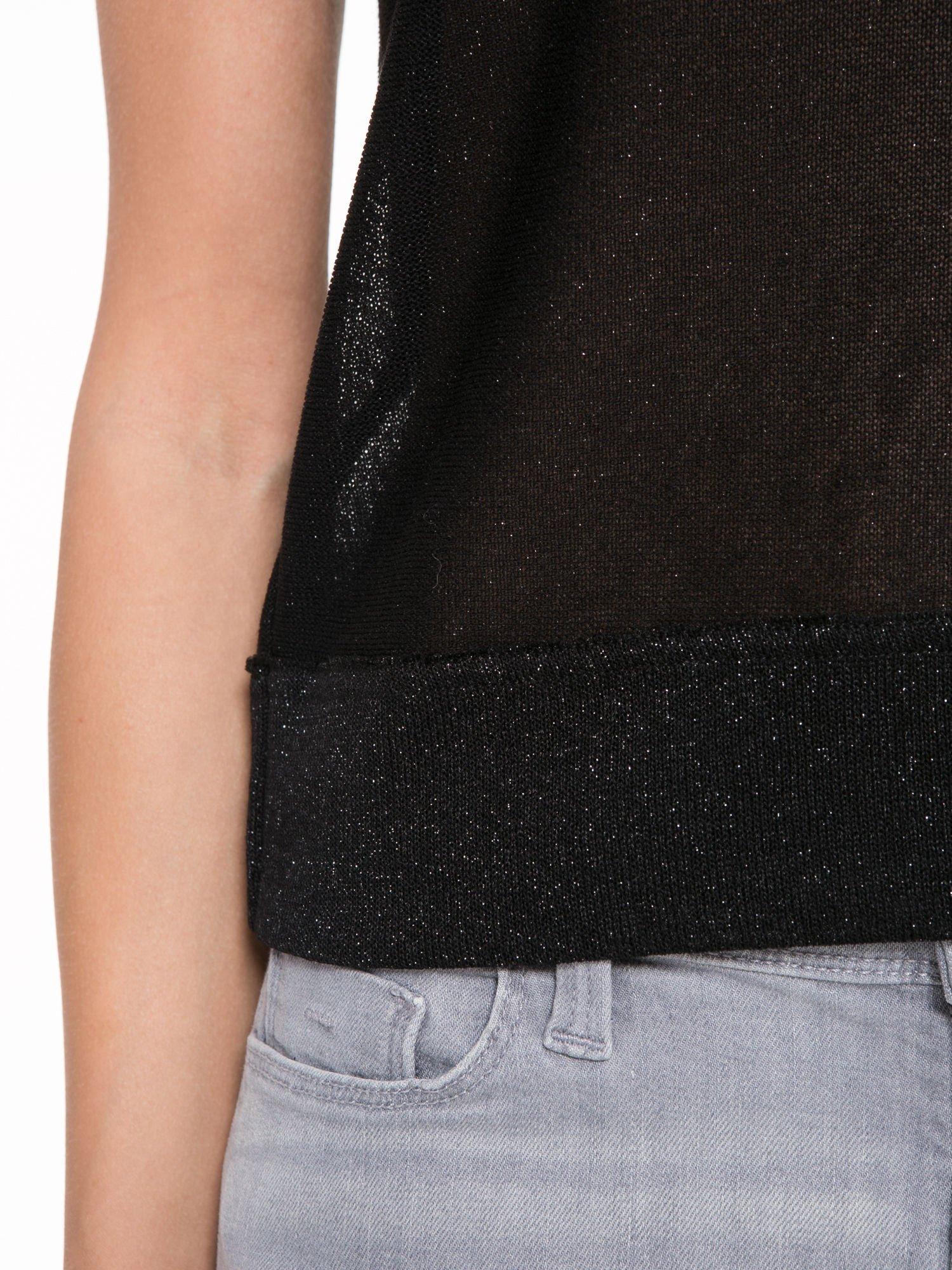 Czarny top z dekoltem na plecach przeplatany błyszczącą nicią                                  zdj.                                  6