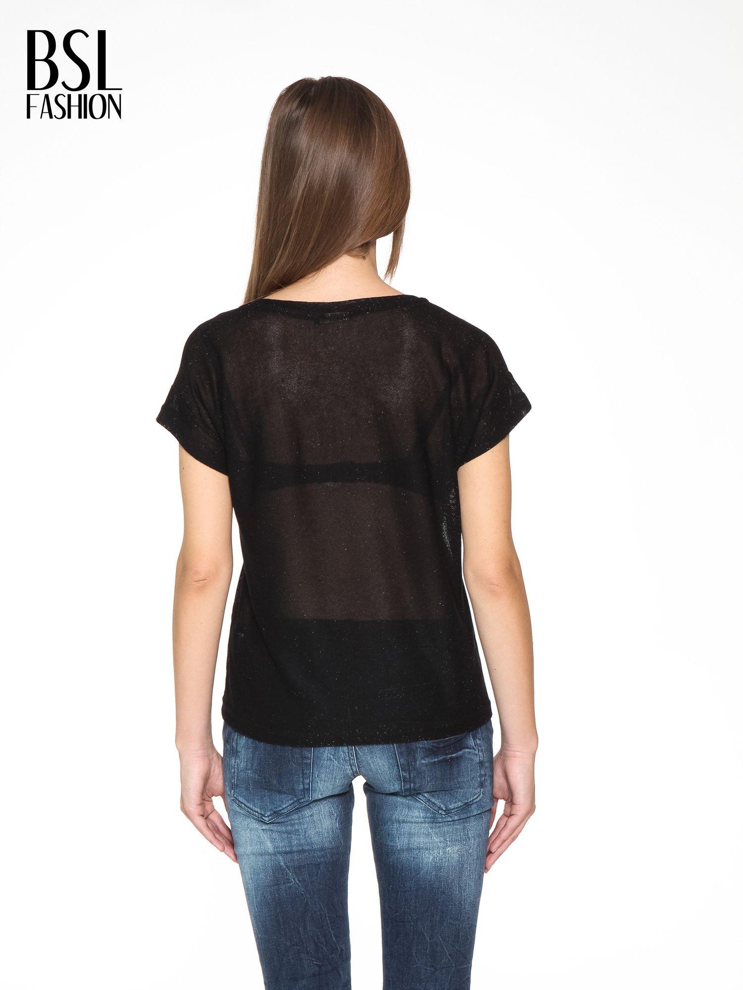 Czarny transparentny t-shirt przeplatany srebrną nicią                                  zdj.                                  4