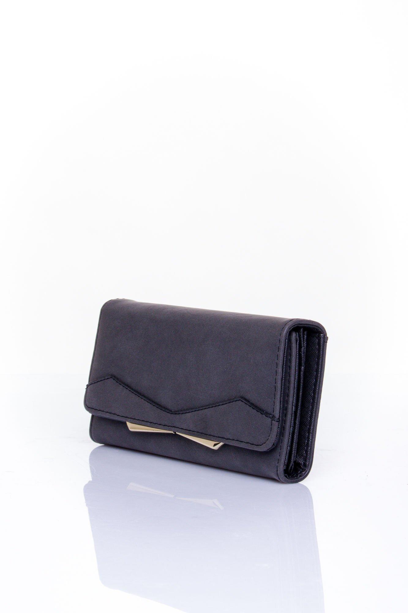 Czarny zamszowy portfel z geometrycznym motywem                                  zdj.                                  3