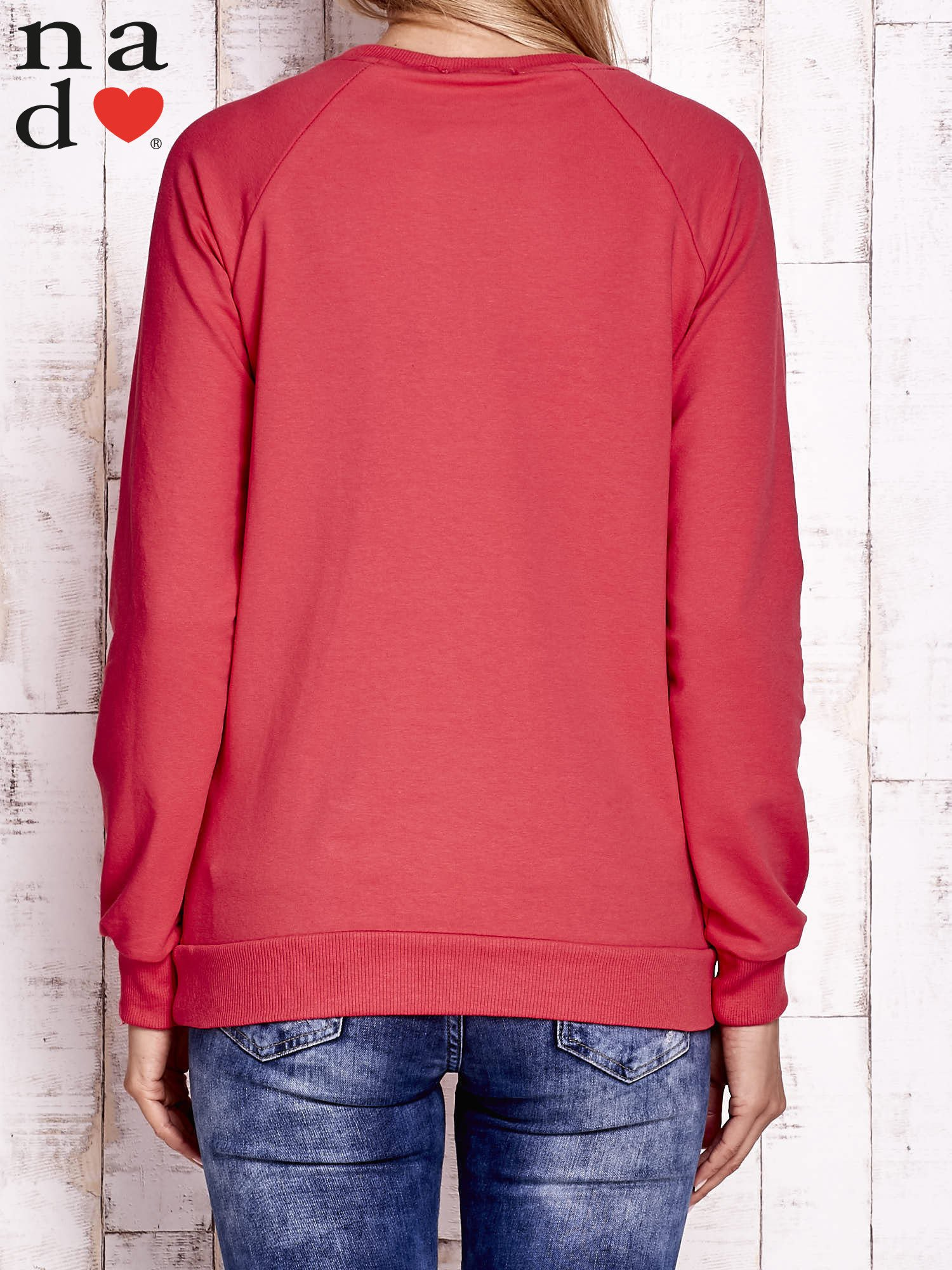 Czerwona bluza z dwustronną naszywką z cekinów                                  zdj.                                  2