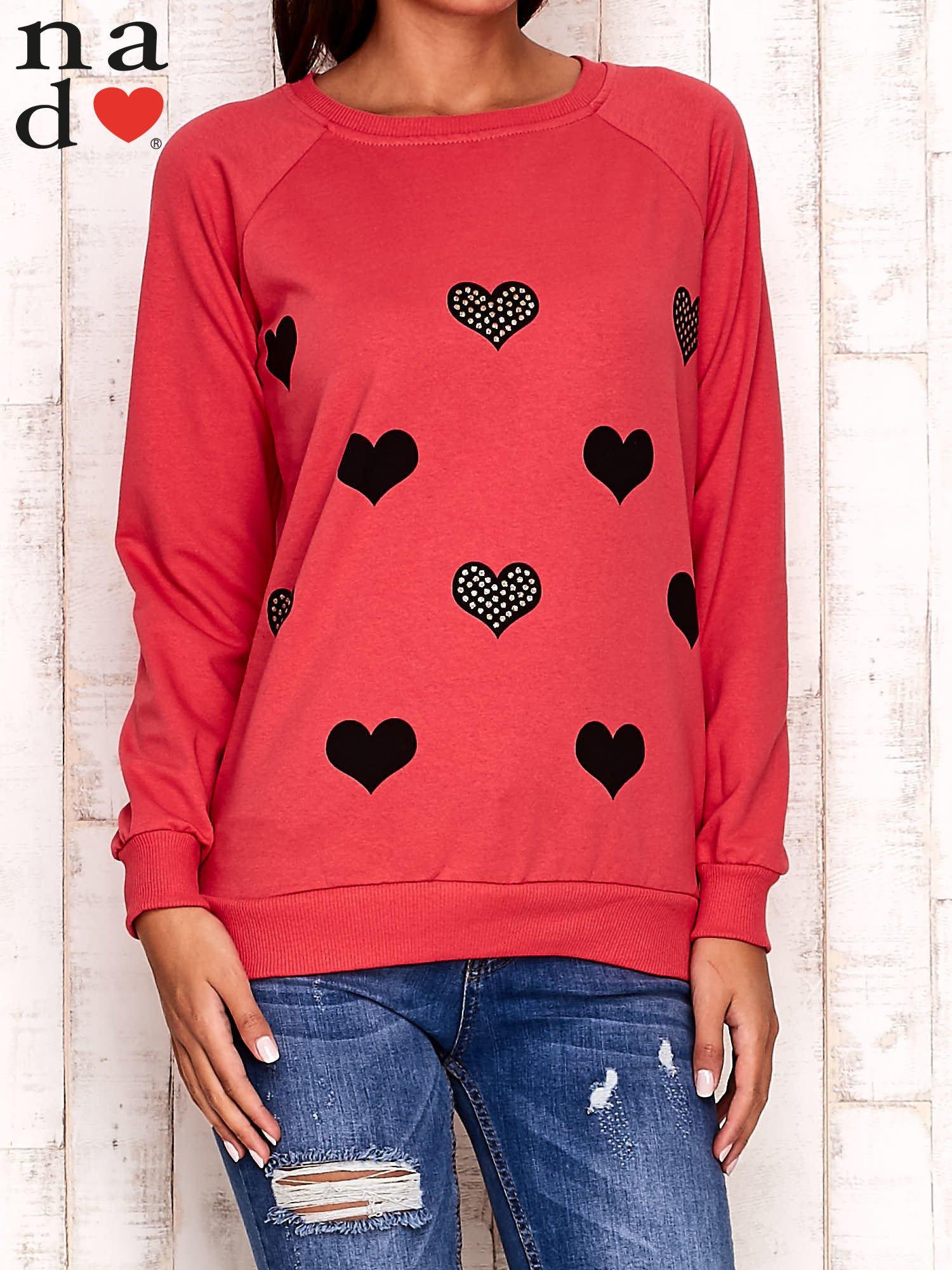 Czerwona bluza z serduszkami                                  zdj.                                  1