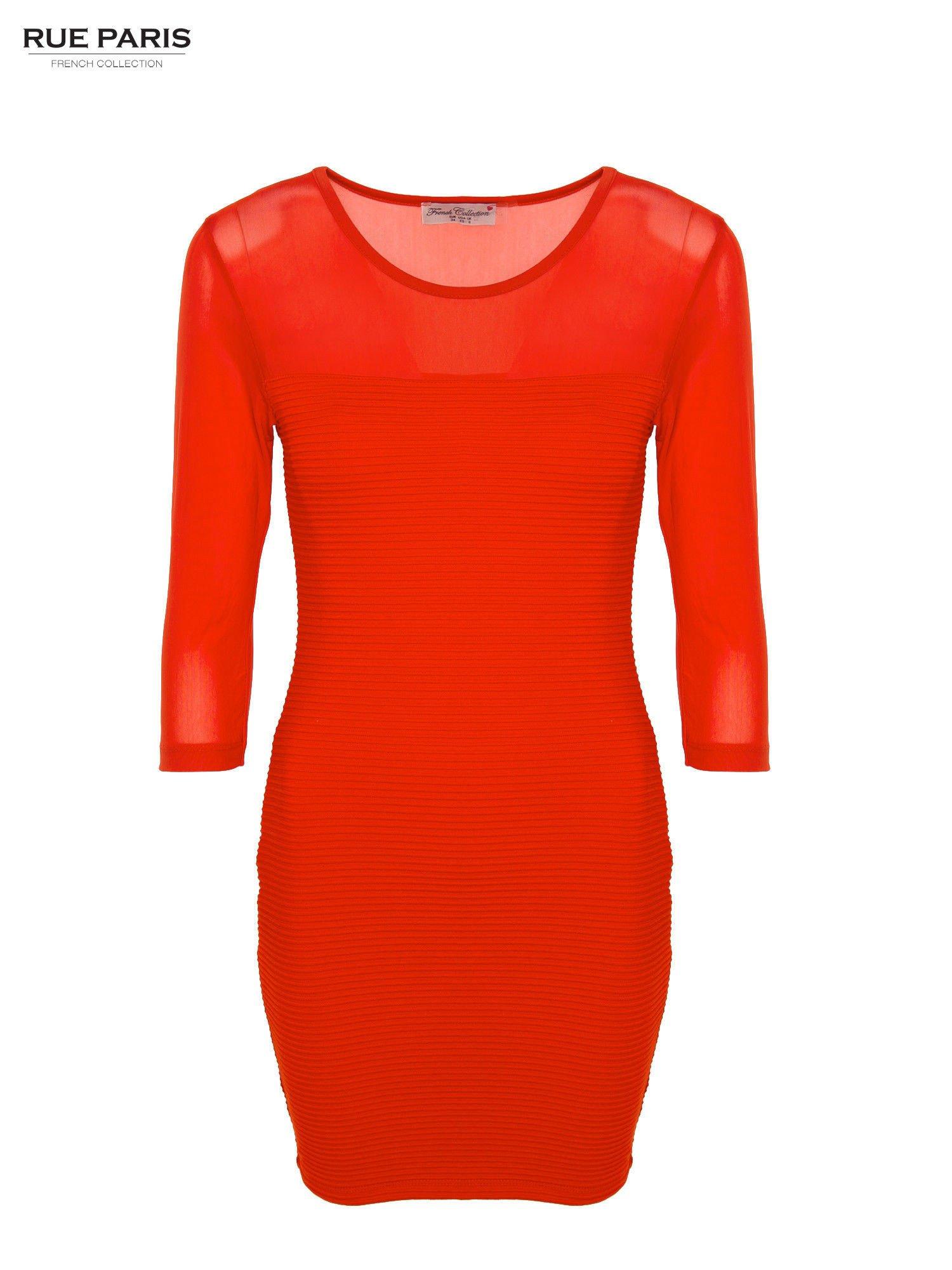 Czerwona dopasowana sukienka pokryta na górze siateczką                                  zdj.                                  1