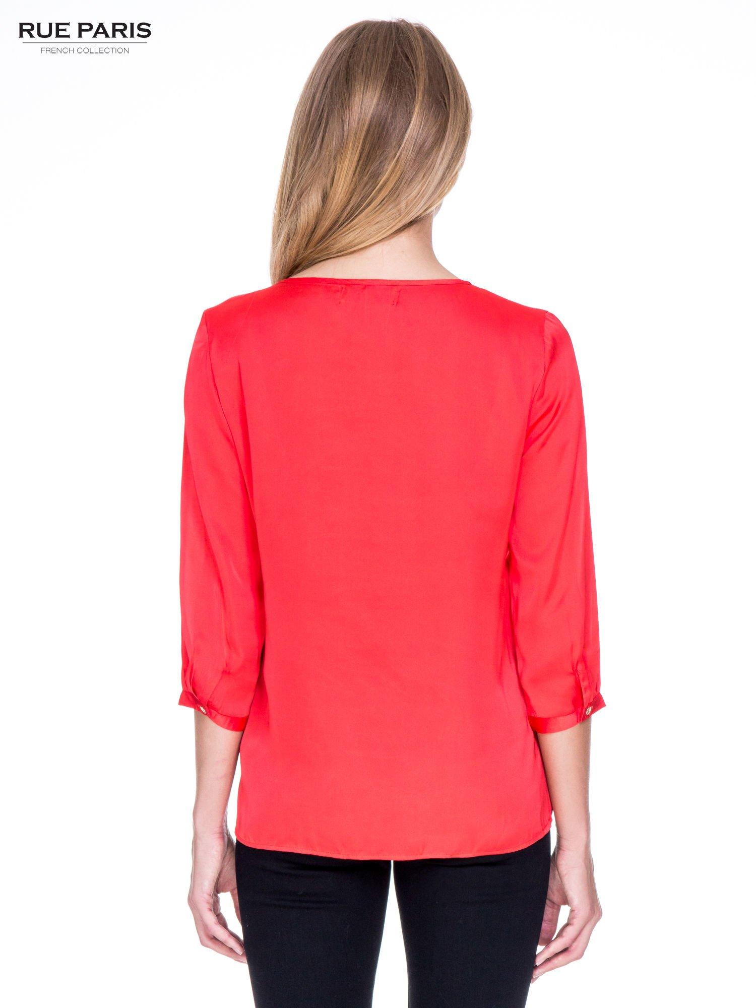 Czerwona koszula z marszczonym dekoltem i rękawami 3/4                                  zdj.                                  4