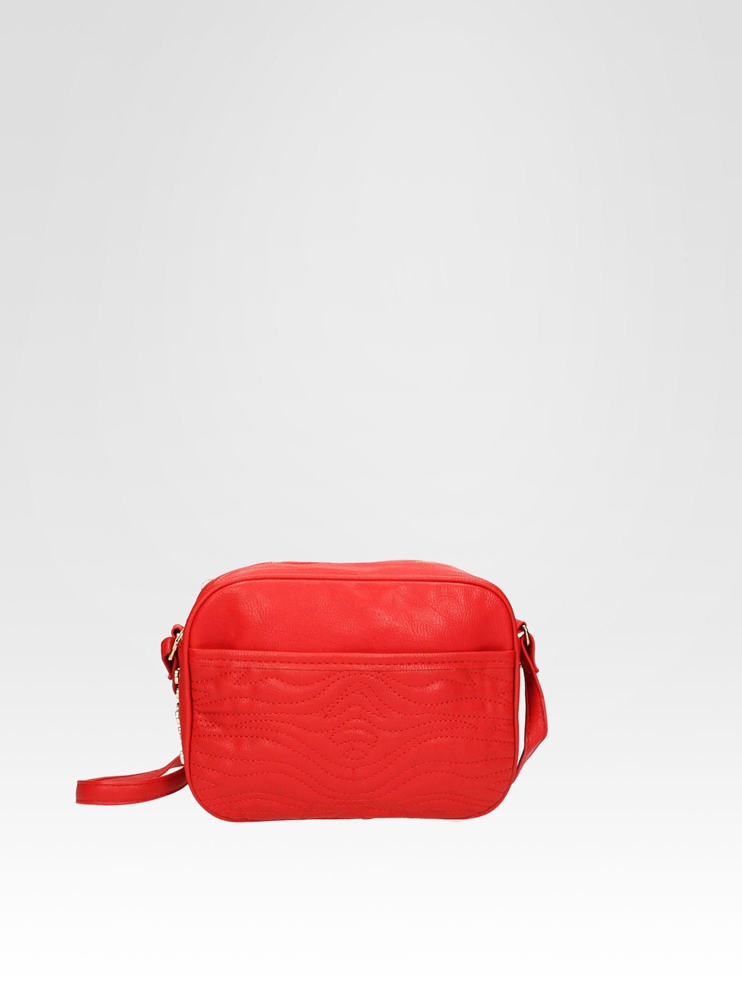 Czerwona mała torebka listonoszka z dżetami                                  zdj.                                  1