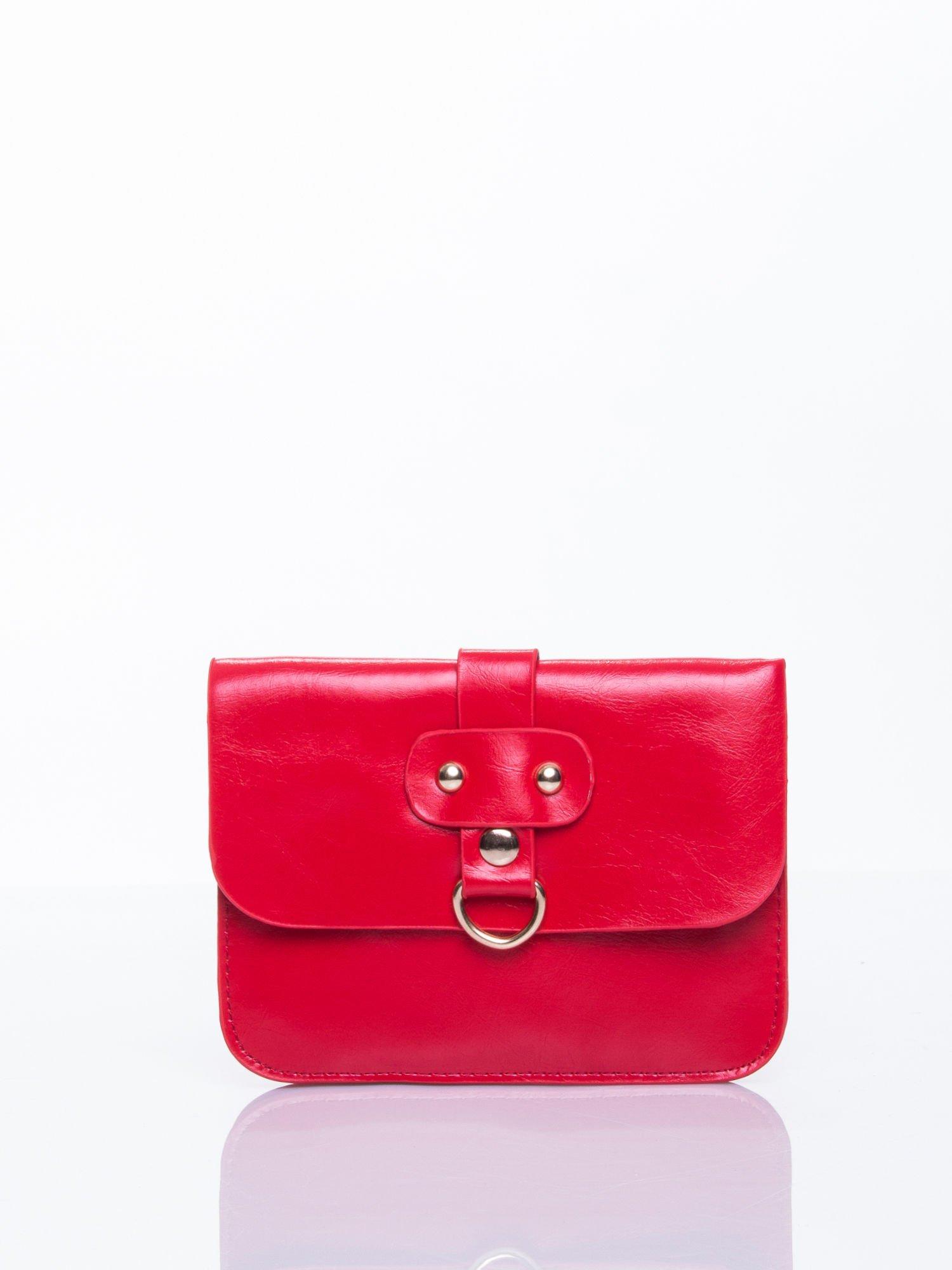 Czerwona torebka listonoszka z klapką                                  zdj.                                  1