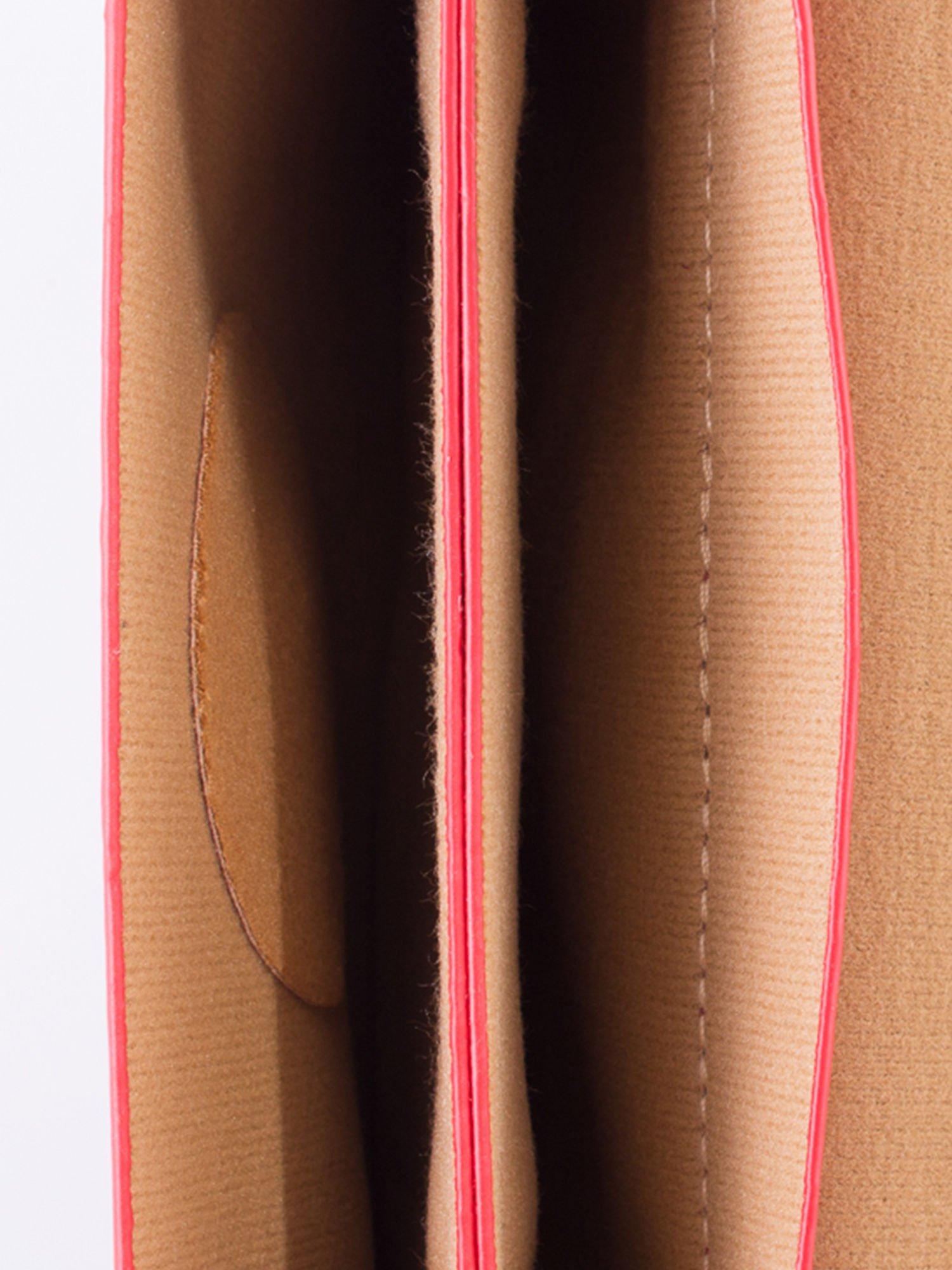 Czerwona torebka listonoszka z klapką                                  zdj.                                  6