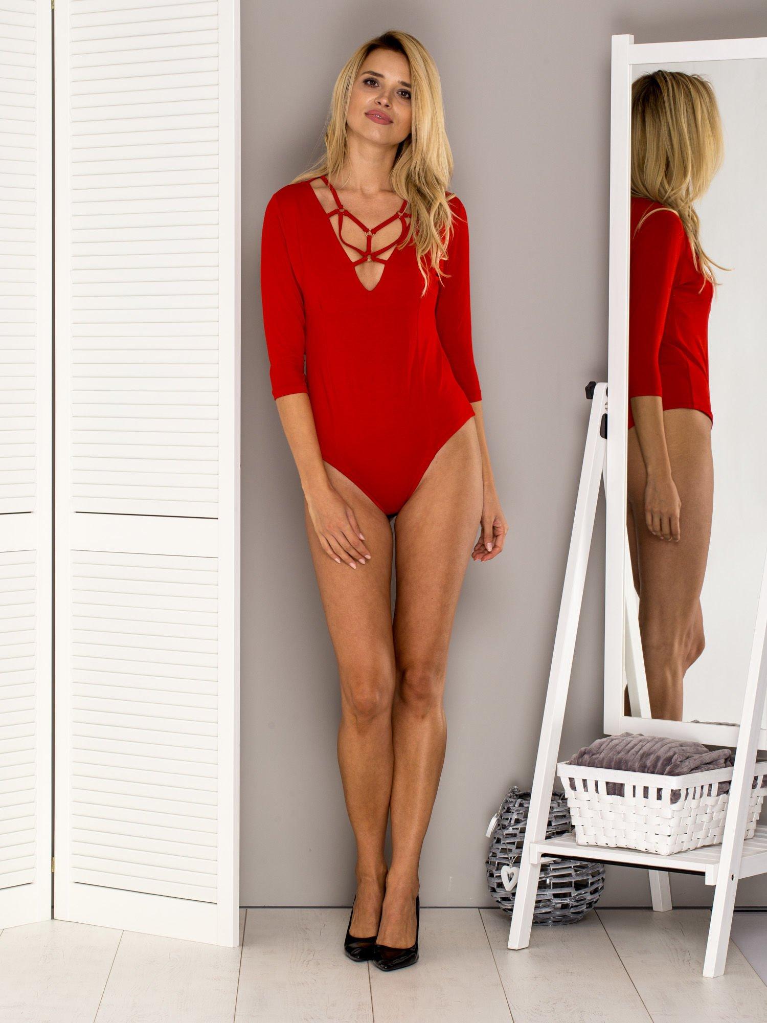 76ecdbc3722344 Czerwone body z ozdobnymi paseczkami - Bluzka body - sklep eButik.pl
