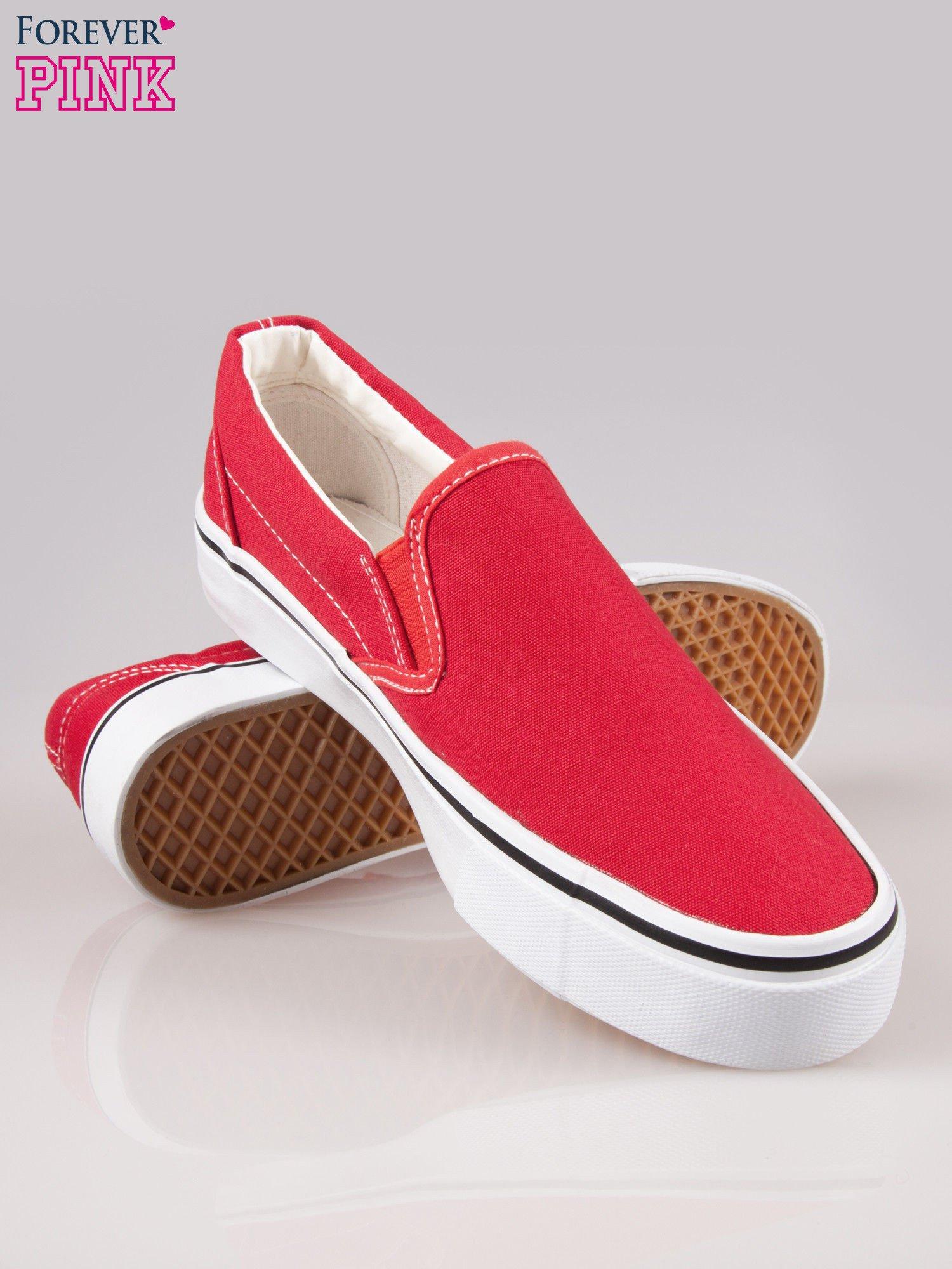Czerwone buty slip on na grubej podeszwie                                  zdj.                                  4