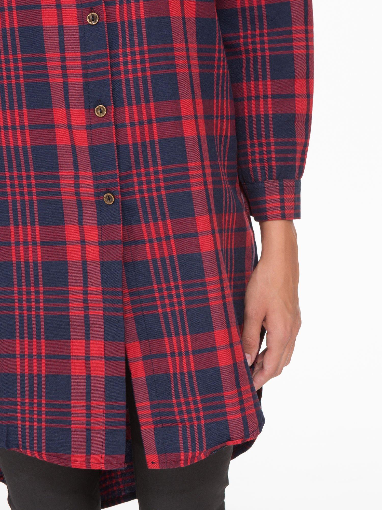 Czerwono-granatowa długa koszula w kratę z kieszeniami                                  zdj.                                  6
