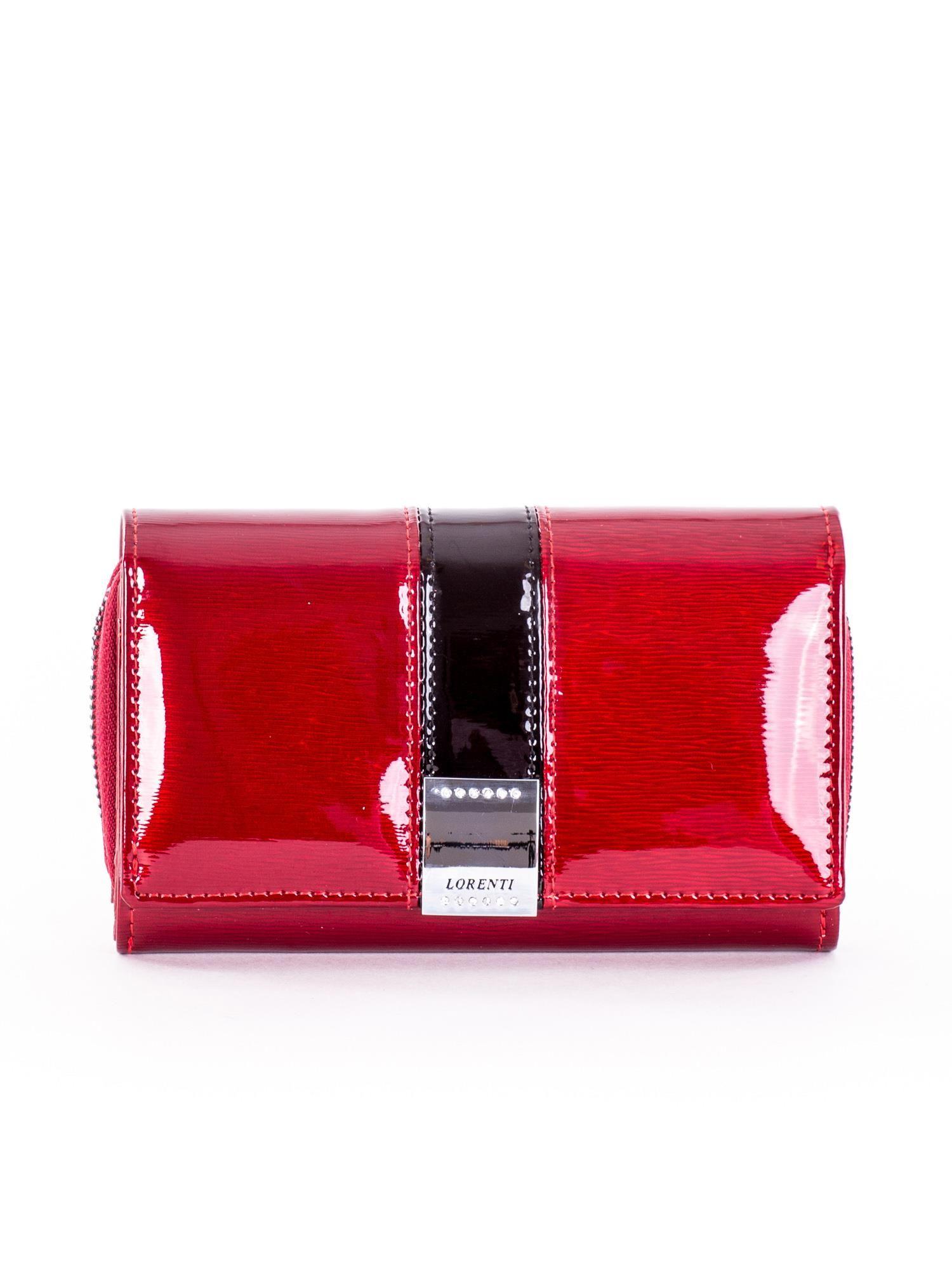 0324fb0b04b81 Czerwony lakierowany portfel damski z kryształkami - Akcesoria ...