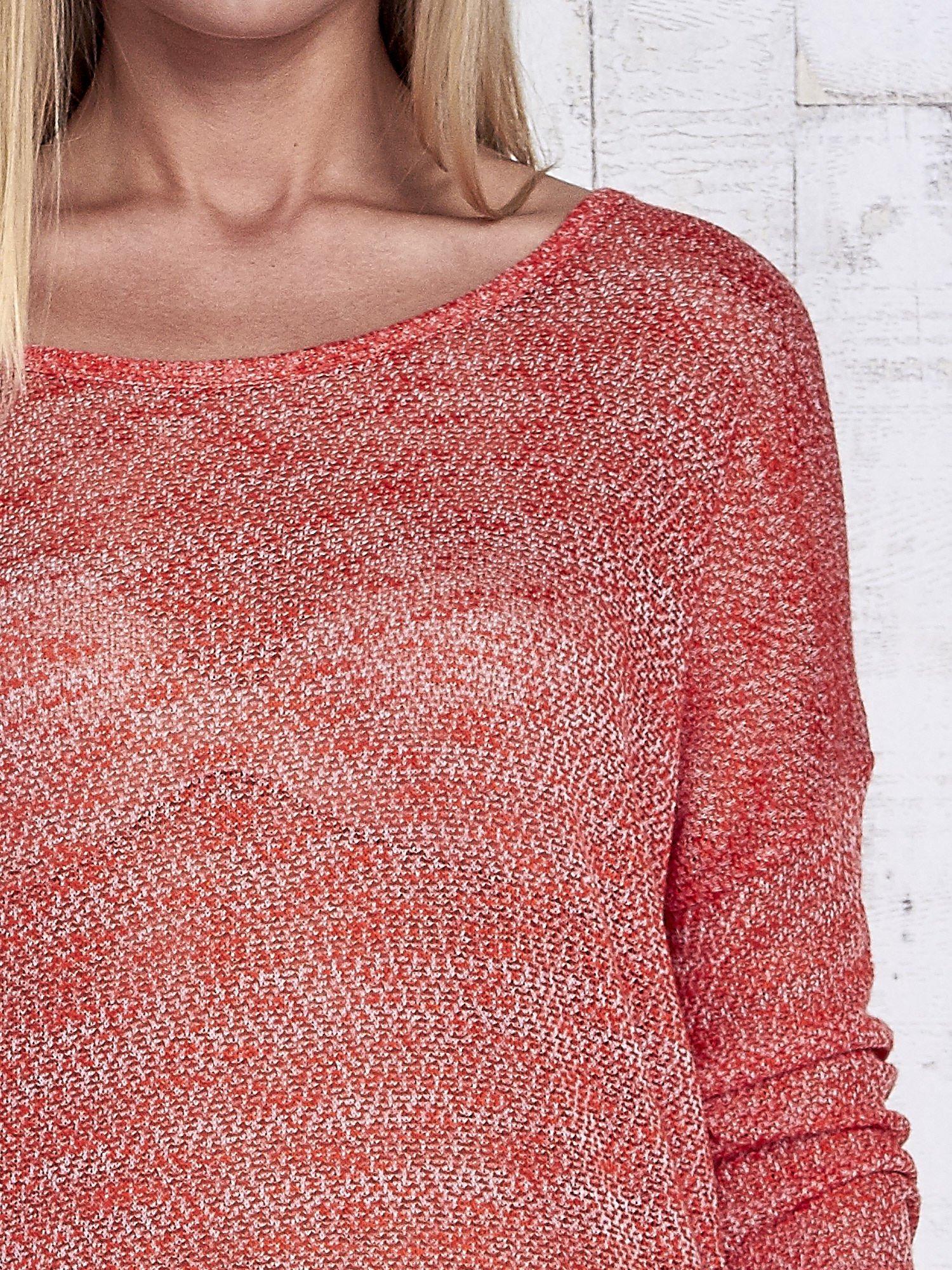 Czerwony melanżowy sweter z łezką na plecach                                  zdj.                                  7