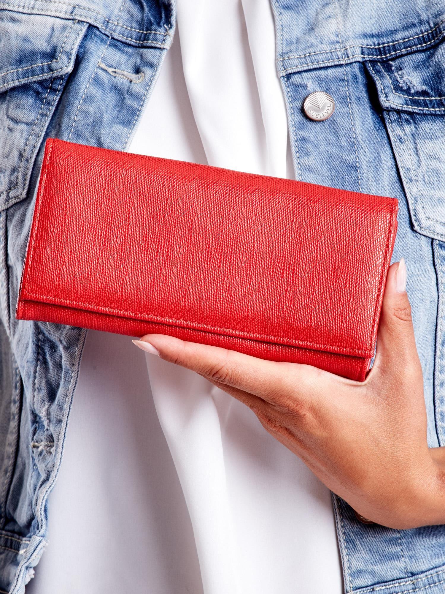 6c9e6b98f4d5a Czerwony portfel damski z zapięciem na zatrzask - Akcesoria portfele -  sklep eButik.pl