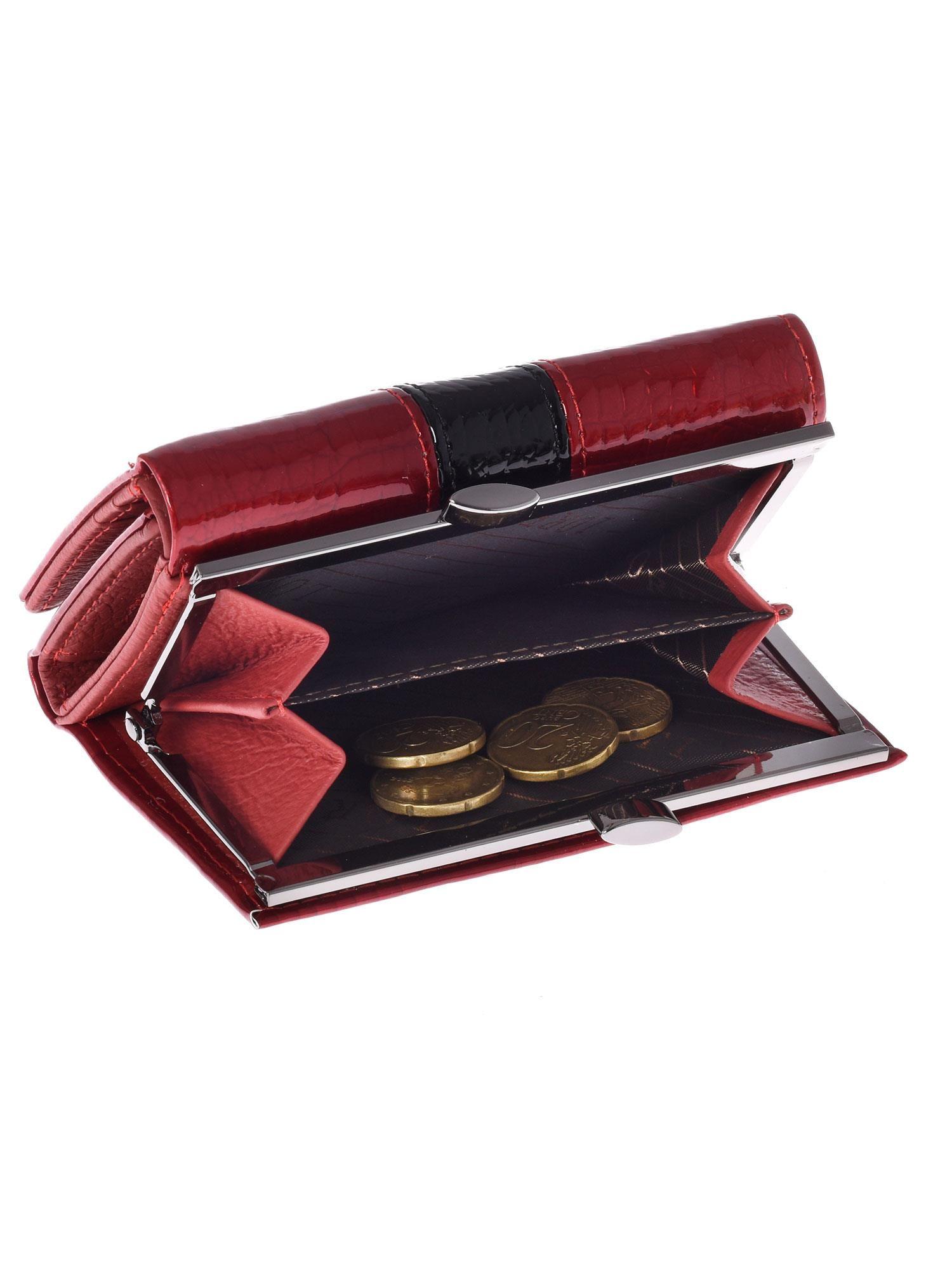 b098f64439072 Czerwony skórzany portfel damski ze wzorem skóry krokodyla - Akcesoria  portfele - sklep eButik.pl