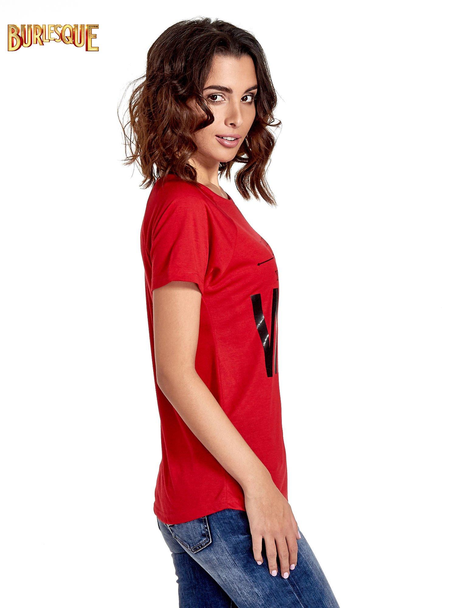 Czerwony t-shirt z napisem GET OUT OF YOUR OWN WAY                                  zdj.                                  3