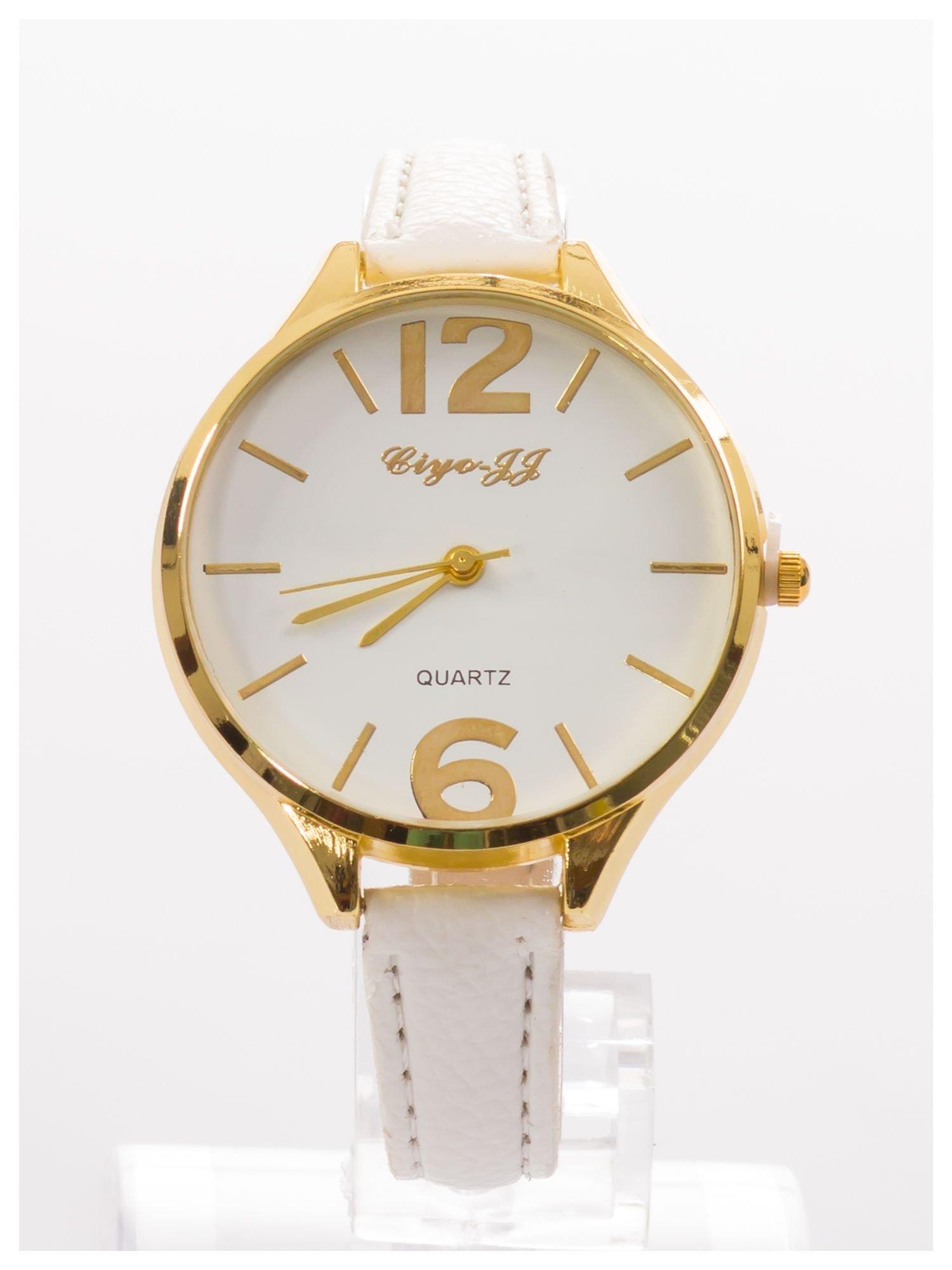 Damski zegarek fashion na białym wąskim skórzanym pasku                                  zdj.                                  1