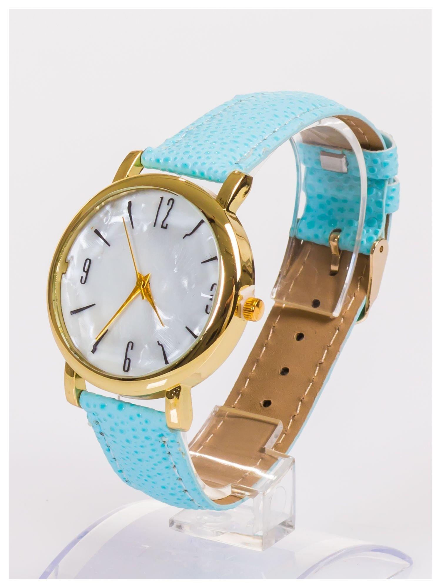 Damski zegarek z dużą i wyraźną perłową tarczą                                  zdj.                                  2