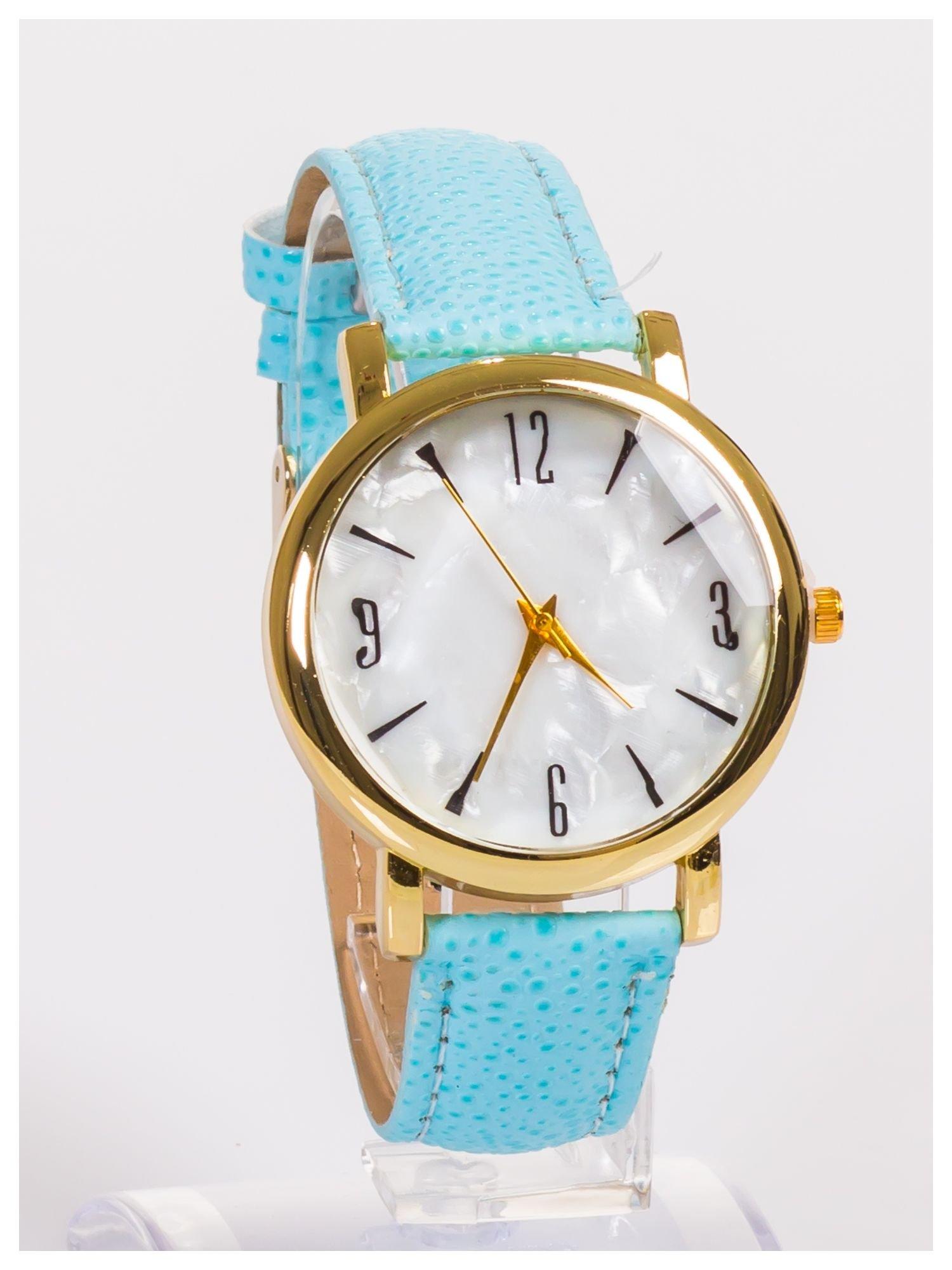 Damski zegarek z dużą i wyraźną perłową tarczą                                  zdj.                                  3