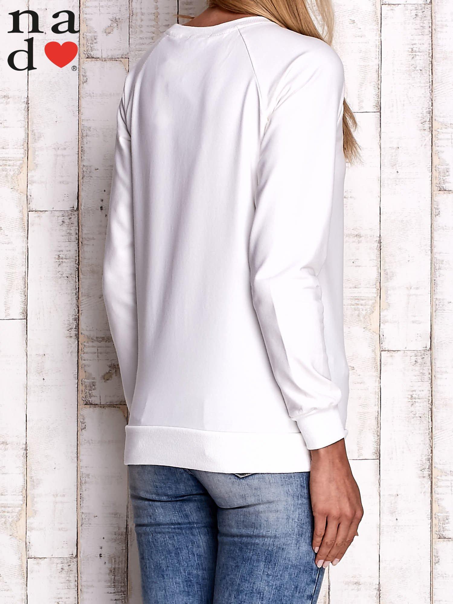 Ecru bluza z napisem DELUXE                                  zdj.                                  4