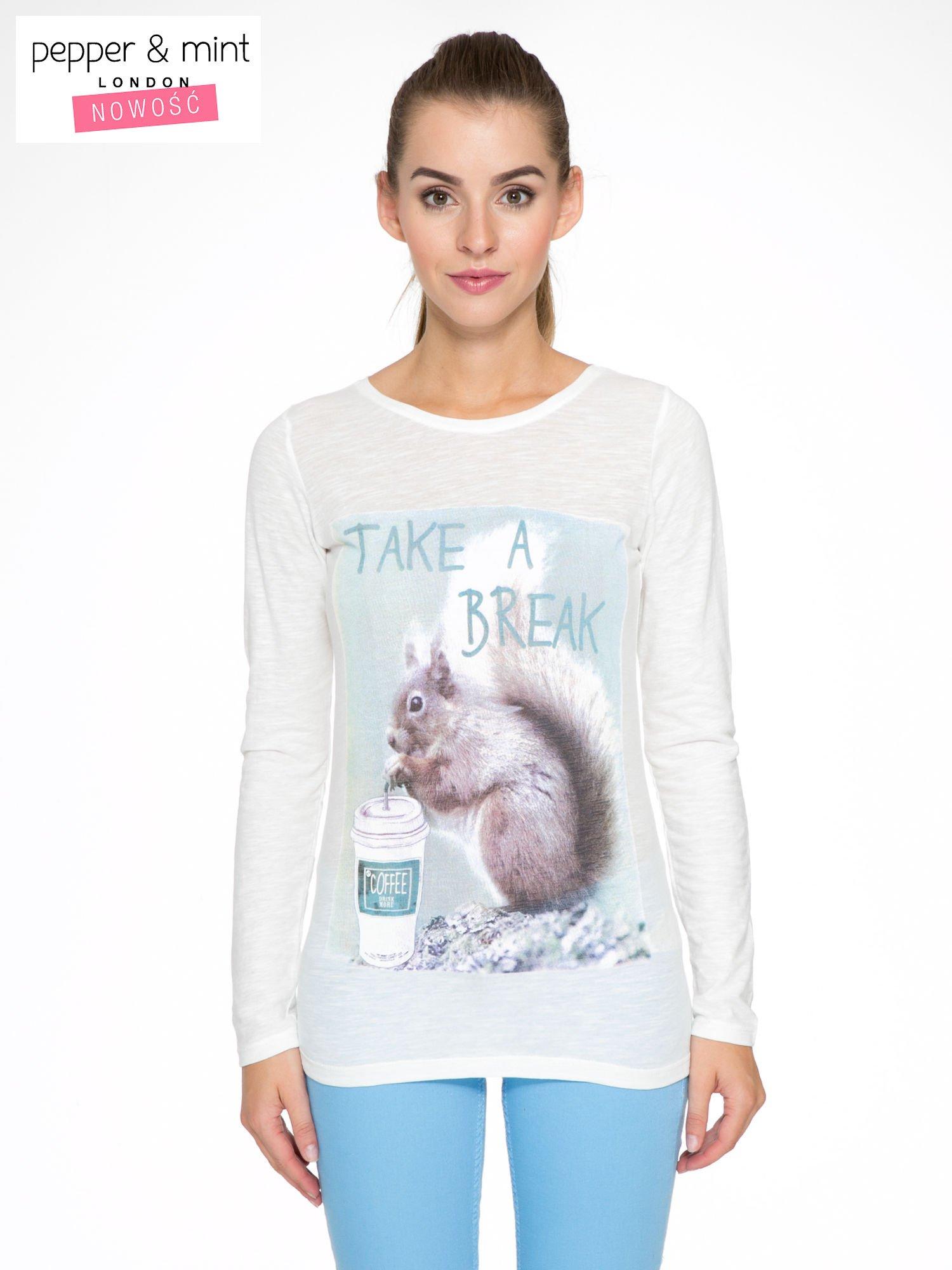 Ecru bluzka z nadrukiem wiewiórki i napisem TAKE A COFFEE BREAK                                  zdj.                                  1