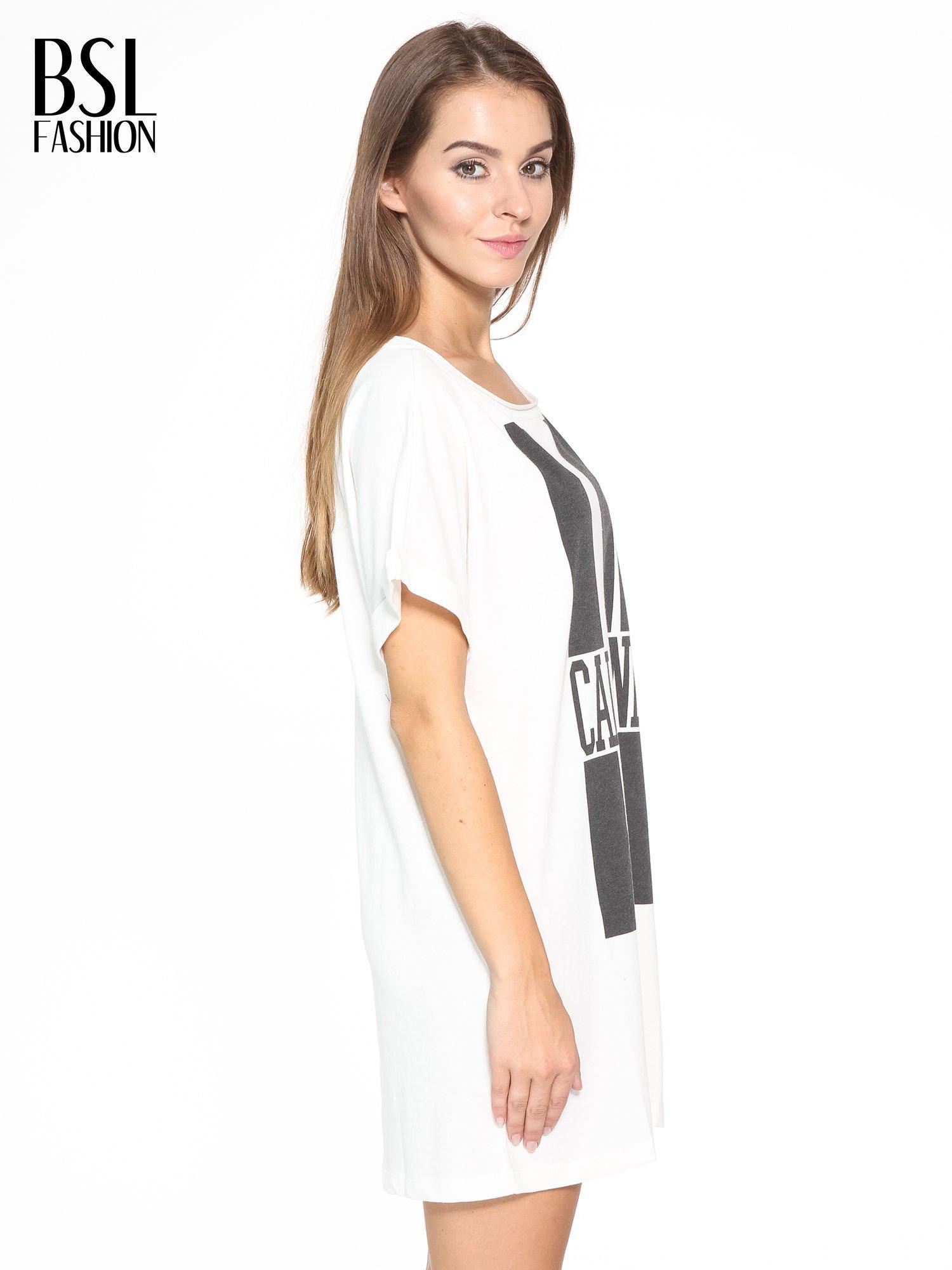 Ecru długi t-shirt z nadrukiem LA CALIFORNIA                                  zdj.                                  3