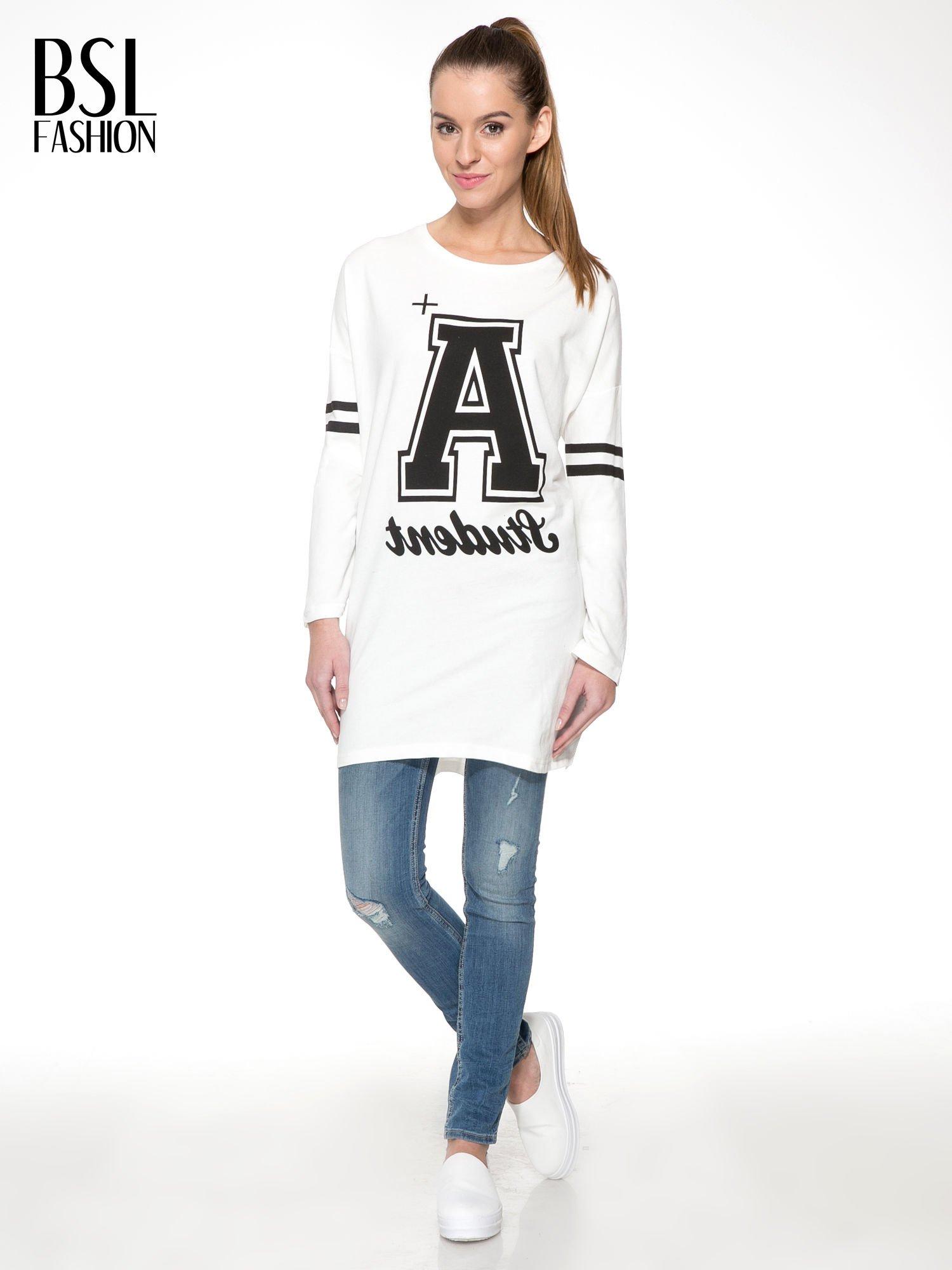 Ecru dresowa bluza z literą A w stylu baseballowym                                  zdj.                                  2