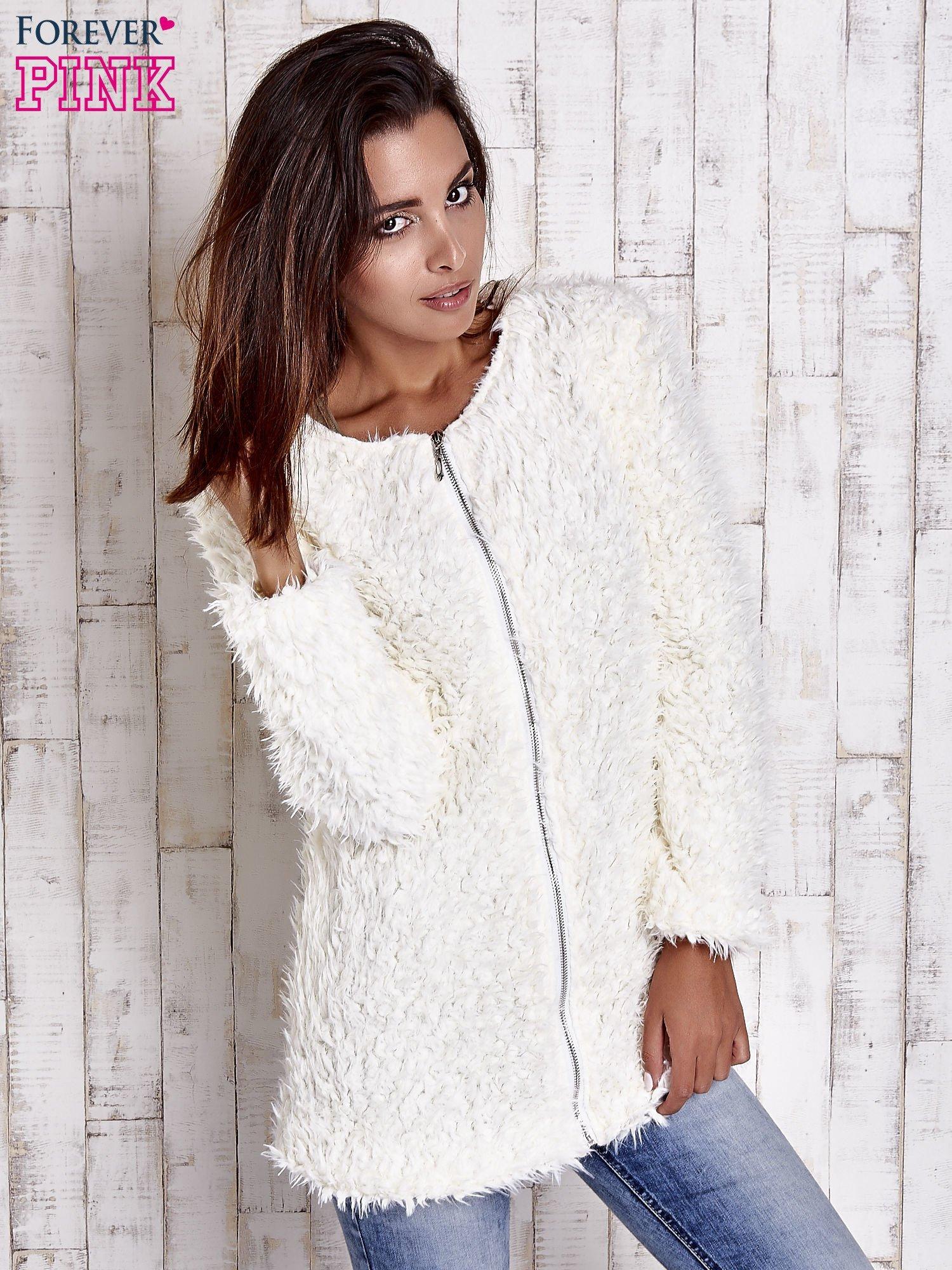 Ecru futrzany sweter kurtka na suwak                                  zdj.                                  2