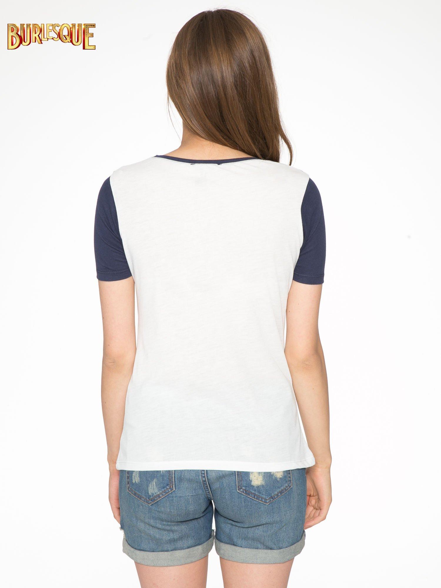 Ecru-granatowy t-shirt z napisem DREAMY VIBES 86 PARIS                                  zdj.                                  4