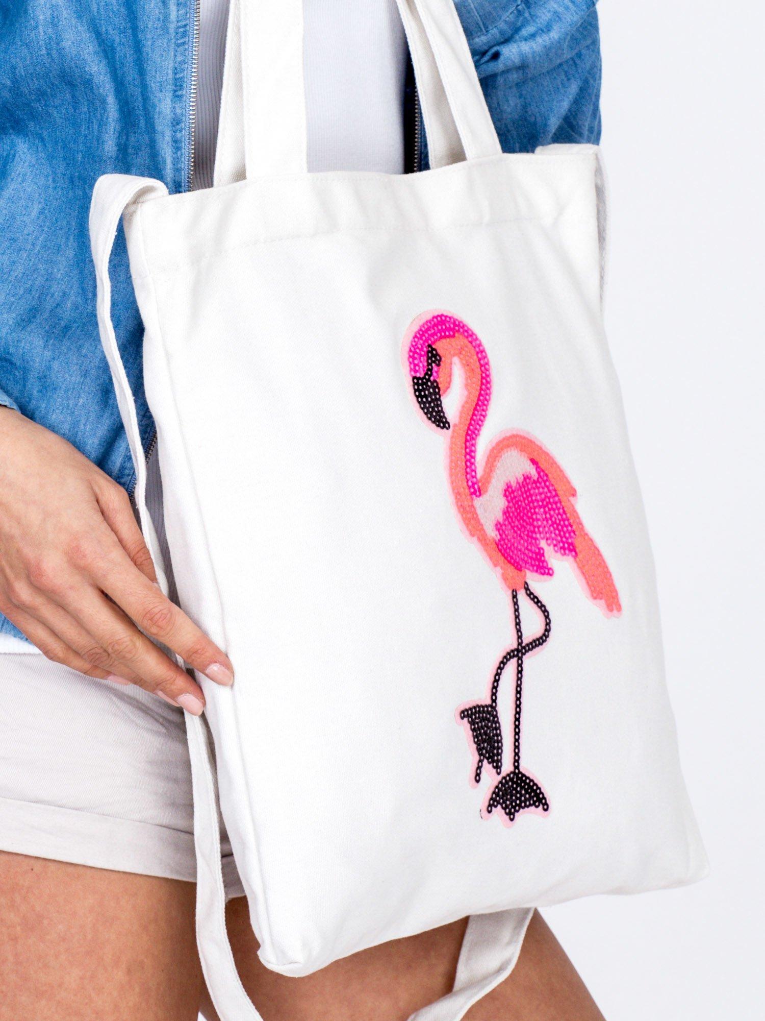 6f65b18f249fc Ecru materiałowa torba z cekinowym flamingiem - Akcesoria torba ...