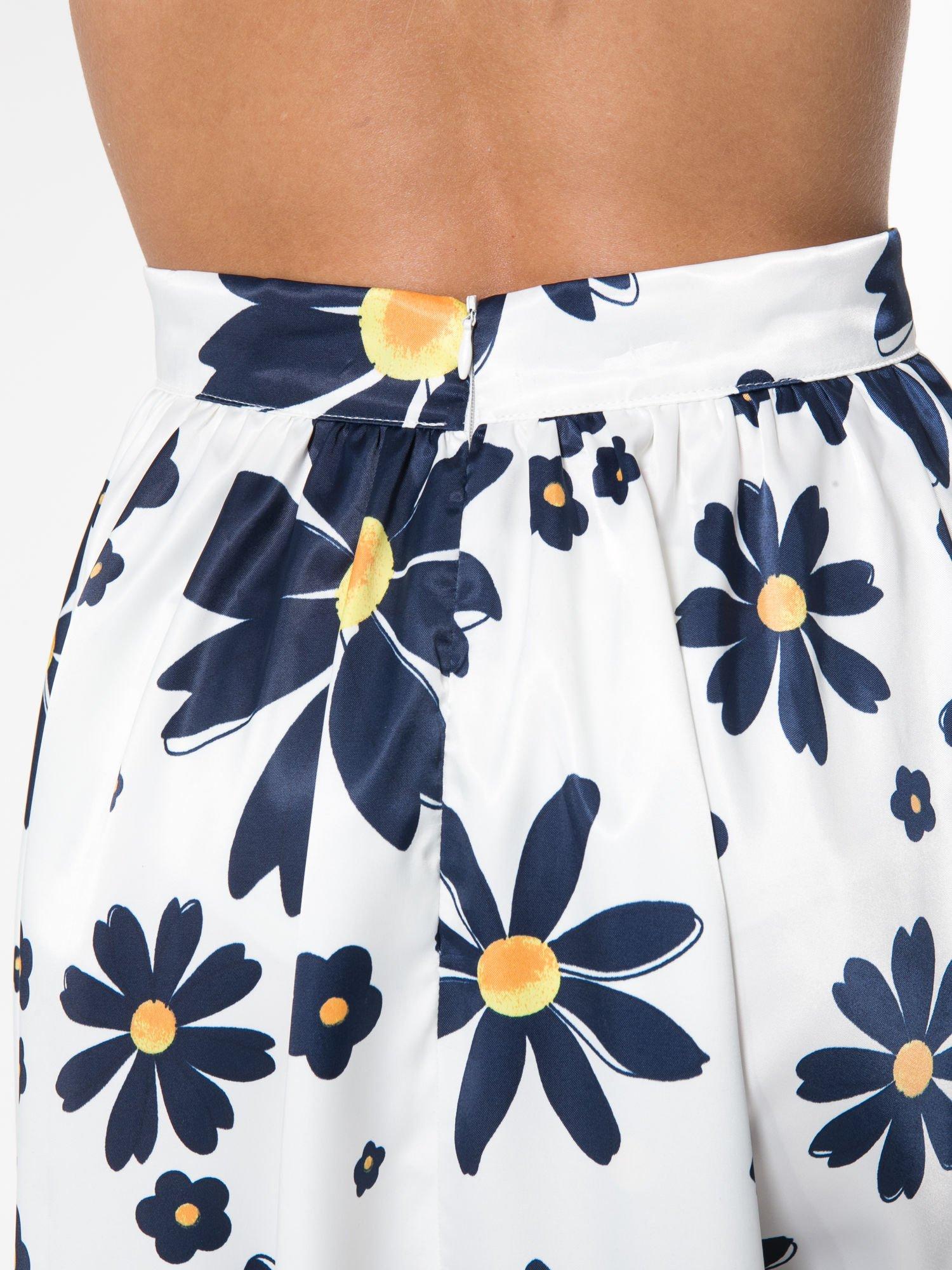 Ecru rozkloszowana spódnica skater w kwiaty                                  zdj.                                  6