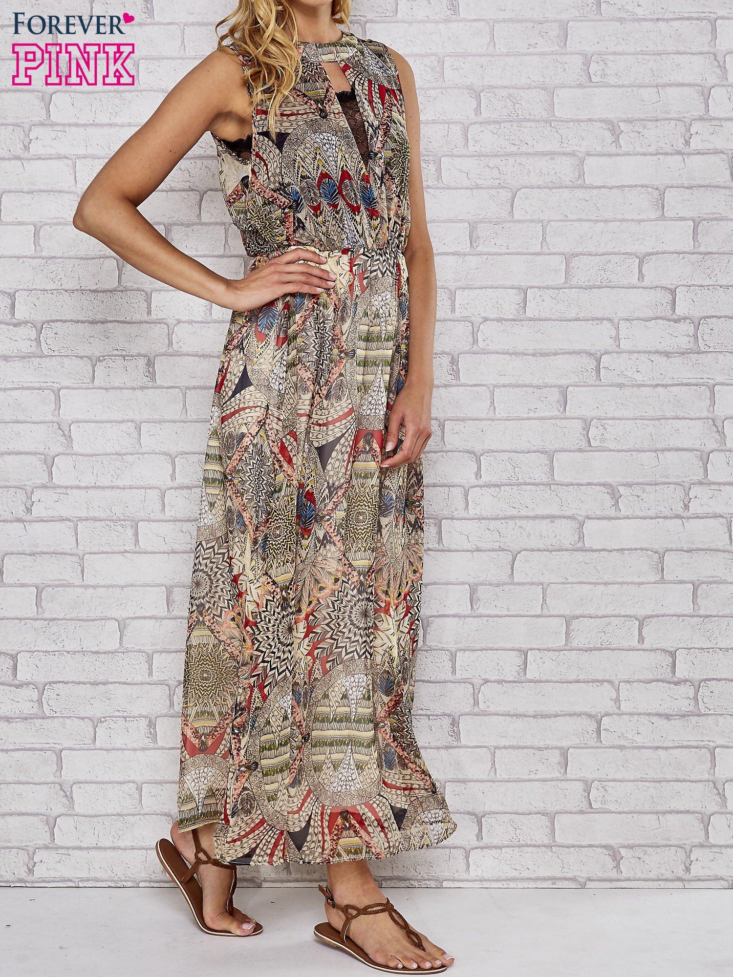 Ecru sukienka maxi w ornamentowe wzory z koronką z tyłu                                  zdj.                                  3