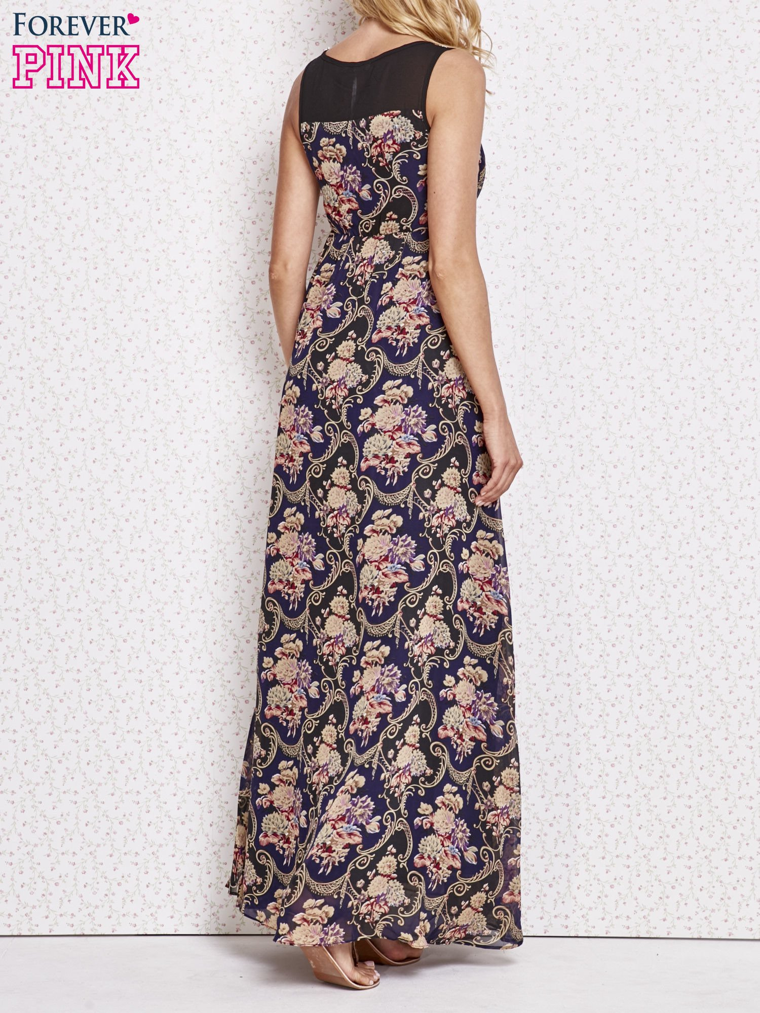 Fioletowa kwiatowa sukienka maxi z biżuteryjnym dekoltem                                  zdj.                                  2