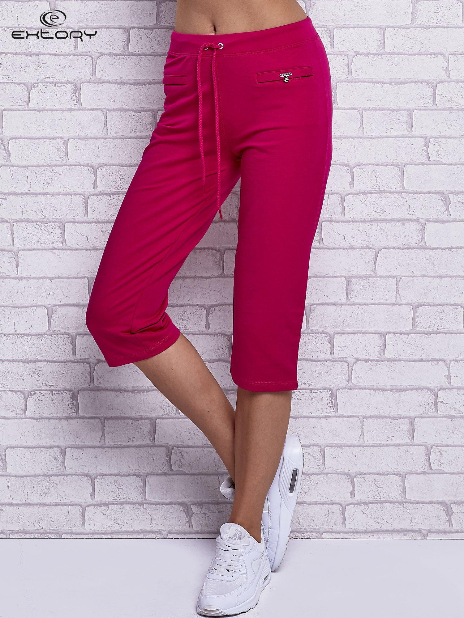 Fuksjowe spodnie capri z wszytymi kieszonkami                                  zdj.                                  1