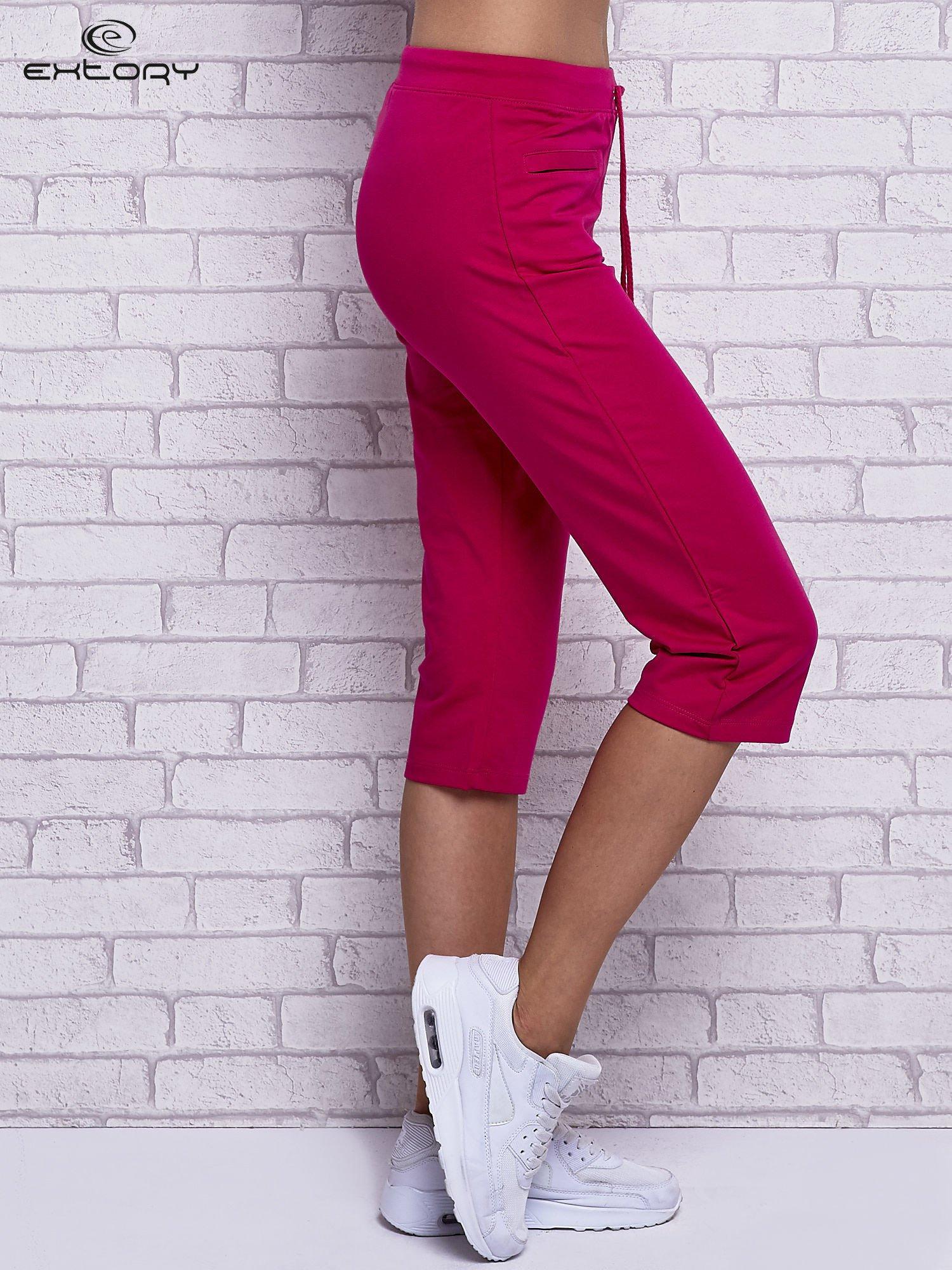 Fuksjowe spodnie capri z wszytymi kieszonkami                                  zdj.                                  3