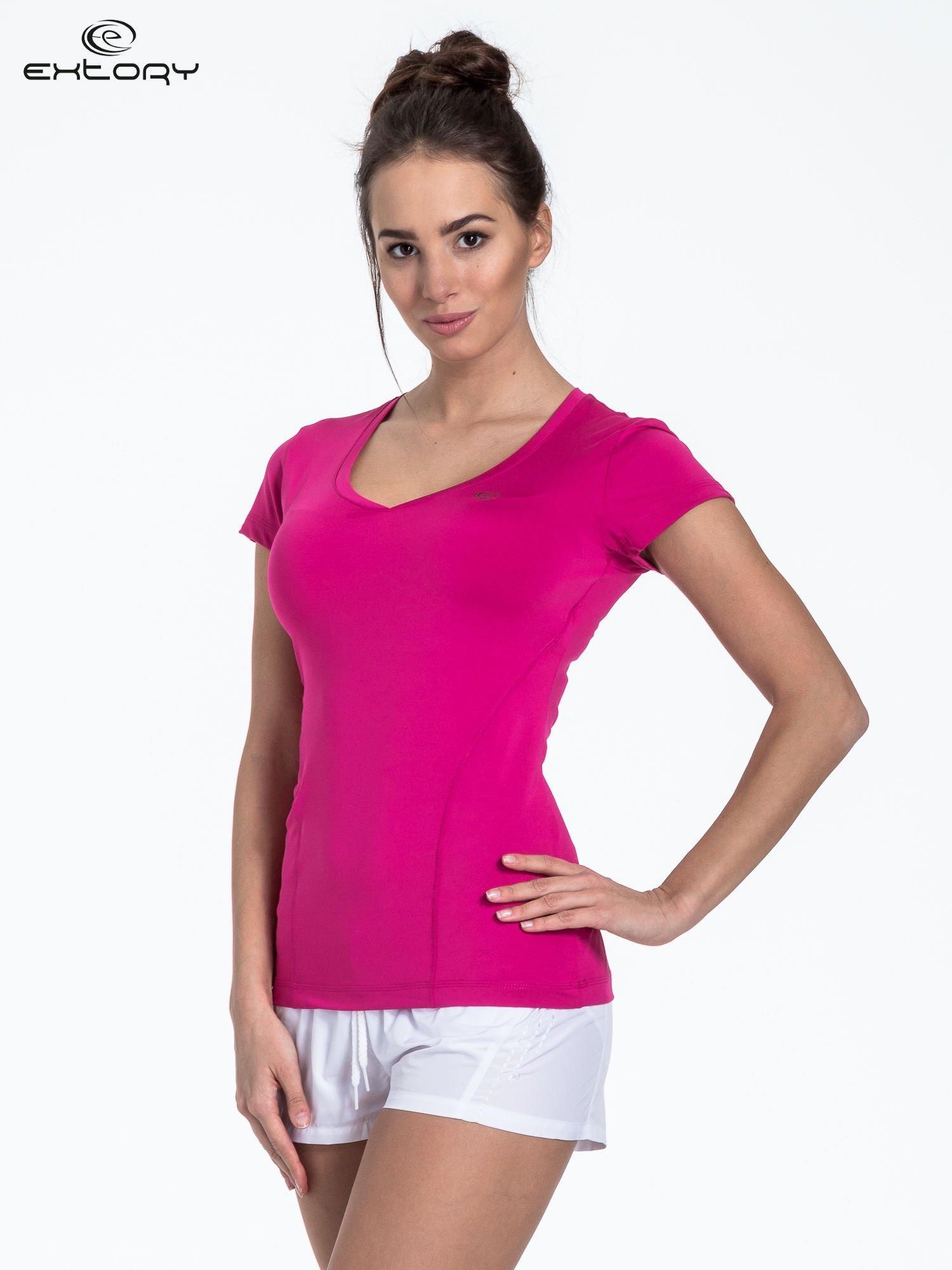 Fuksjowy modelujący t-shirt sportowy z przeszyciami                                  zdj.                                  3