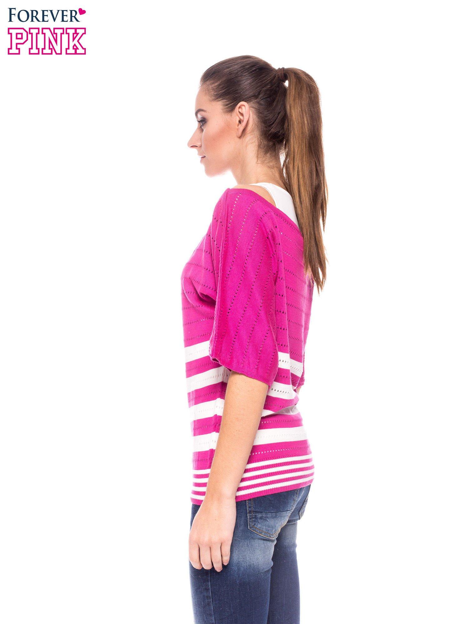 Fuksjowy sweter w paski z szerokim dekoltem                                  zdj.                                  3