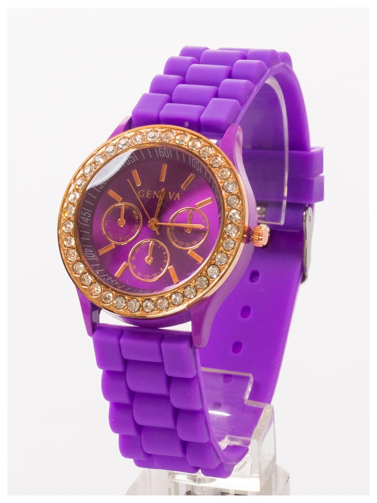 GENEVA Fioletowy zegarek damski z cyrkoniami na silikonowym pasku                                  zdj.                                  2