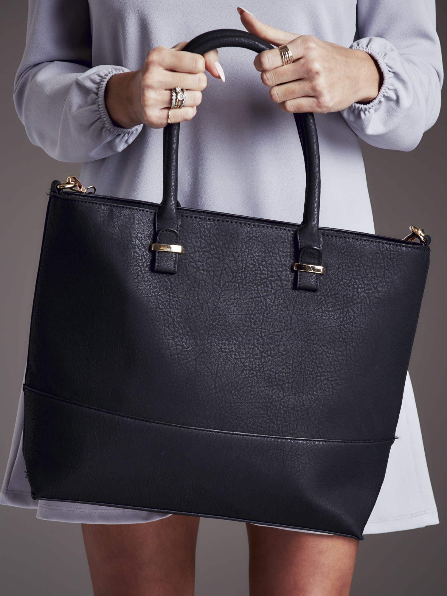 7e2bd94c39ced Gładka torba damska shopper czarna - Akcesoria torba - sklep eButik.pl